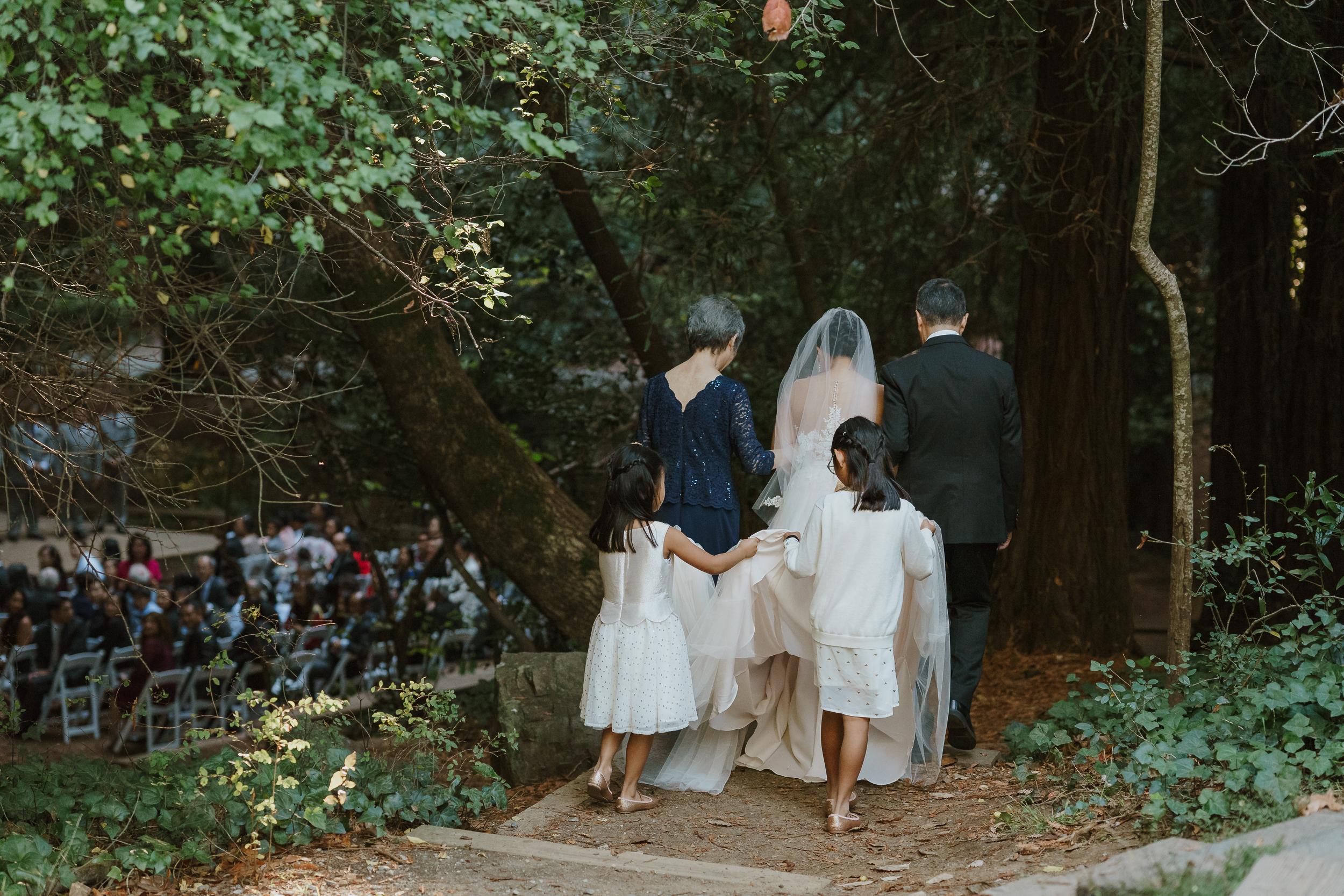 31-old-mill-park-mill-valley-community-center-wedding-vivianchen-300.jpg