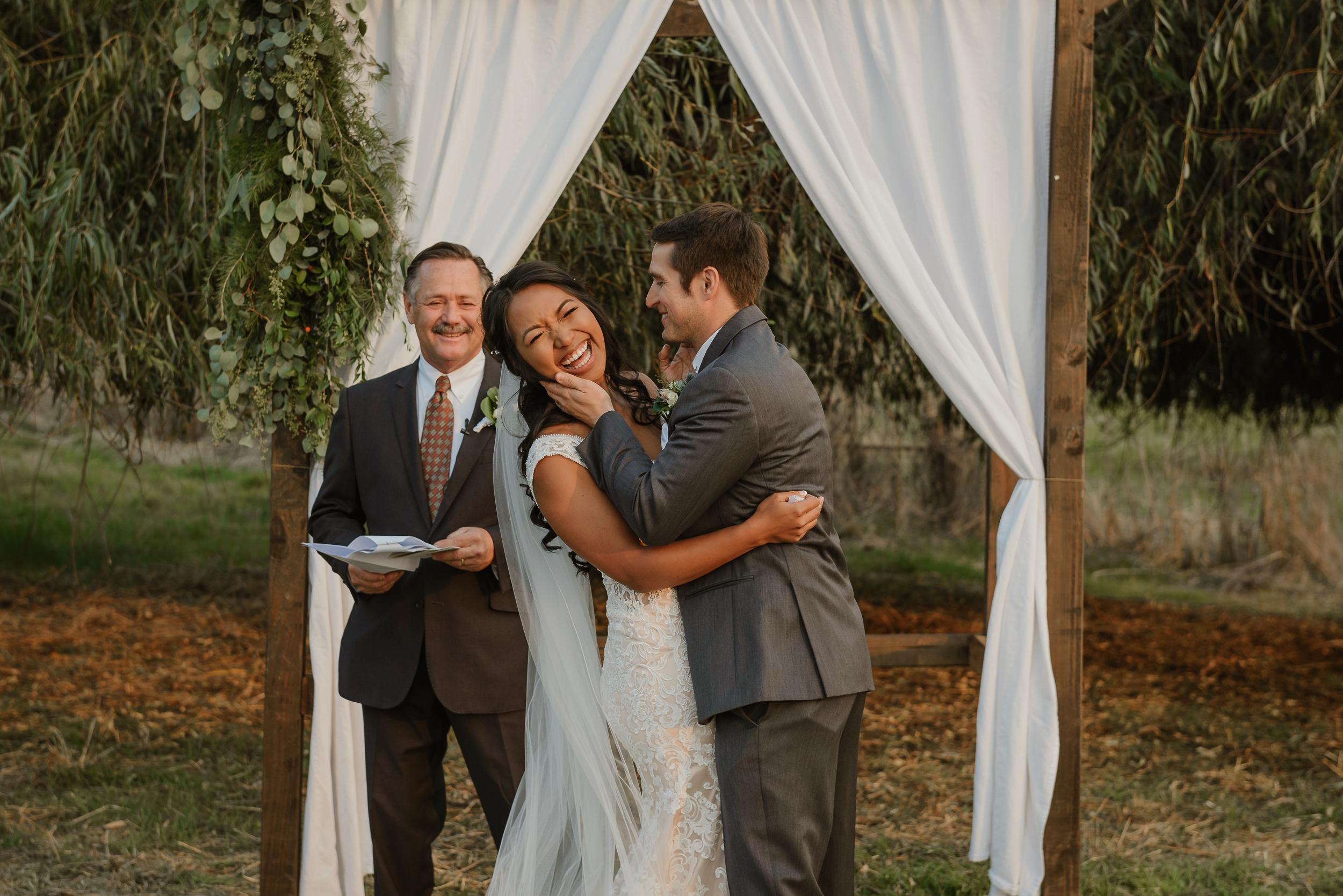 053marin-petaluma-backyard-wedding-vivianchen-341.jpg
