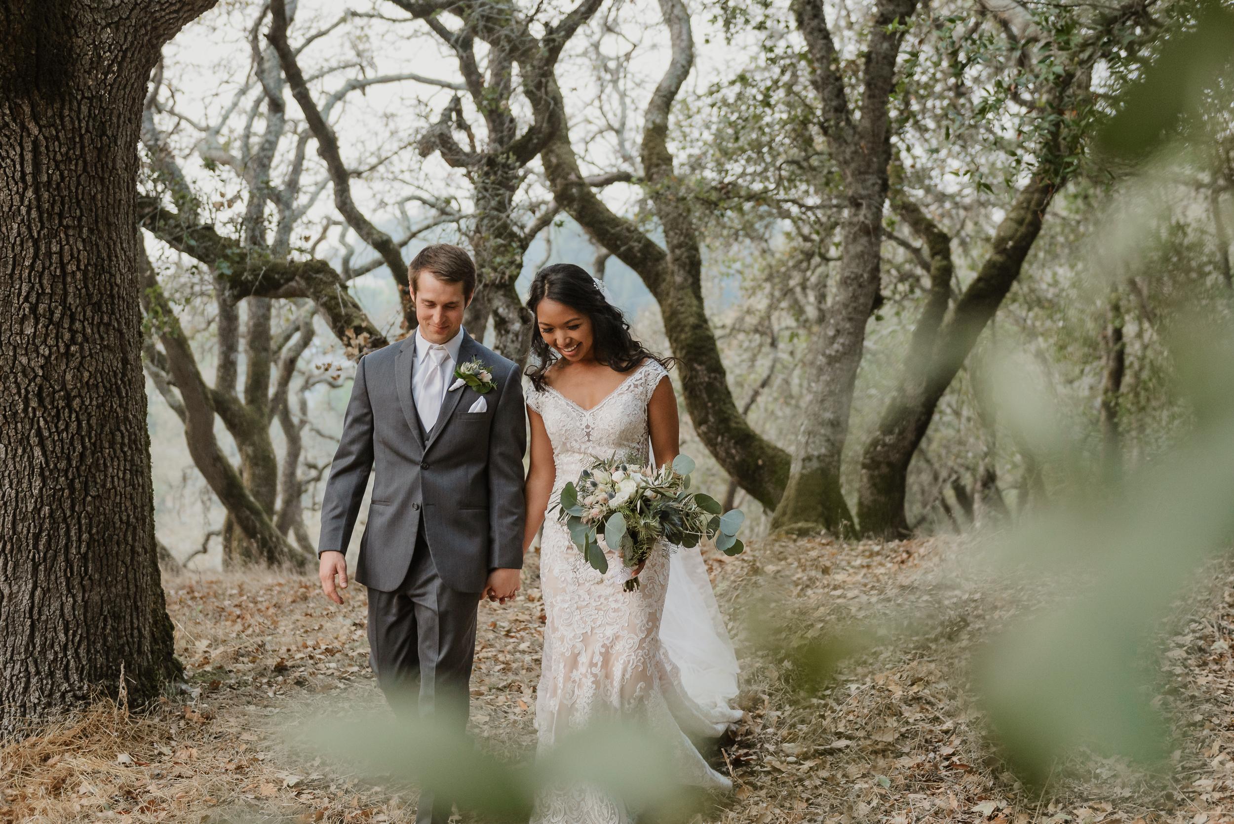 072marin-petaluma-backyard-wedding-vivianchen-500.jpg