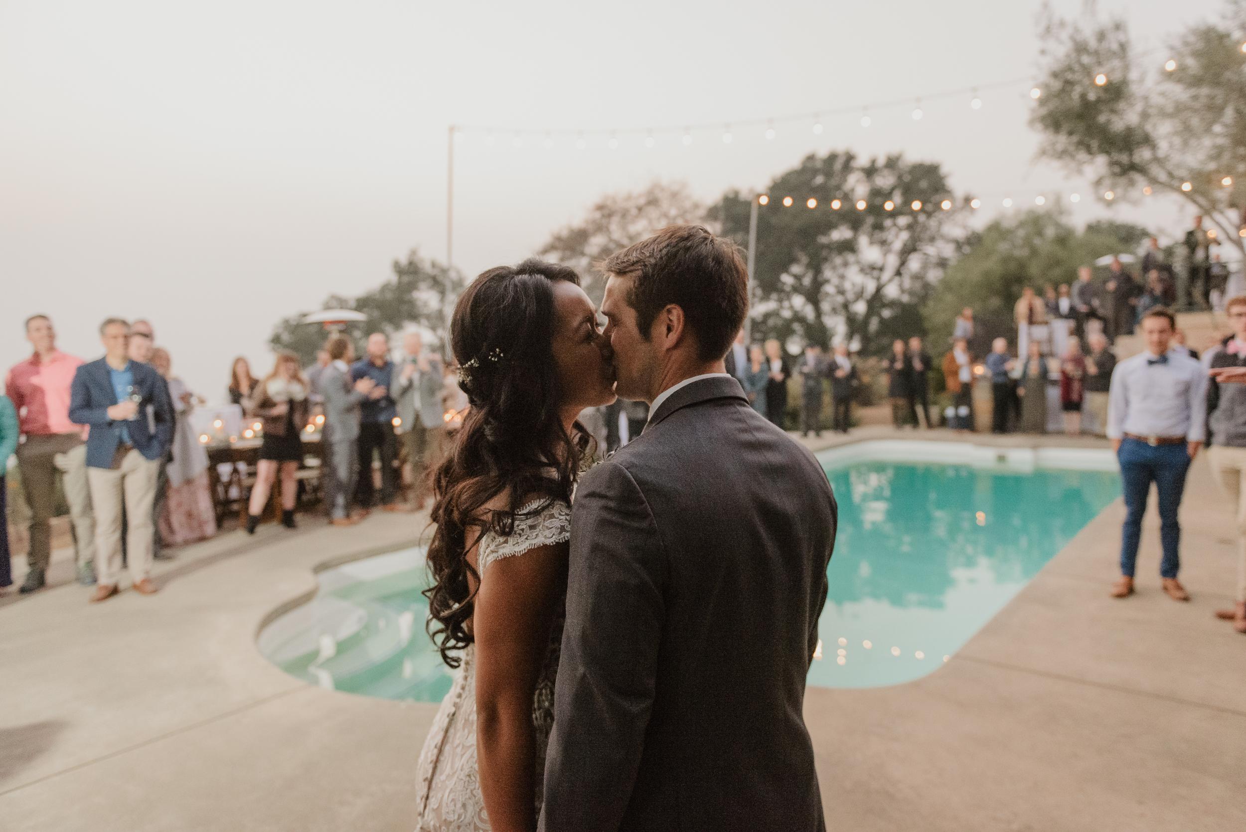 094marin-petaluma-backyard-wedding-vivianchen-581.jpg