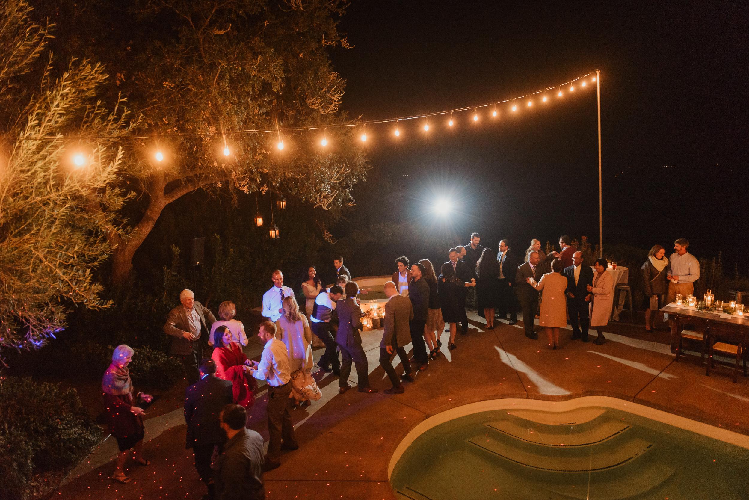 106marin-petaluma-backyard-wedding-vivianchen-673.jpg