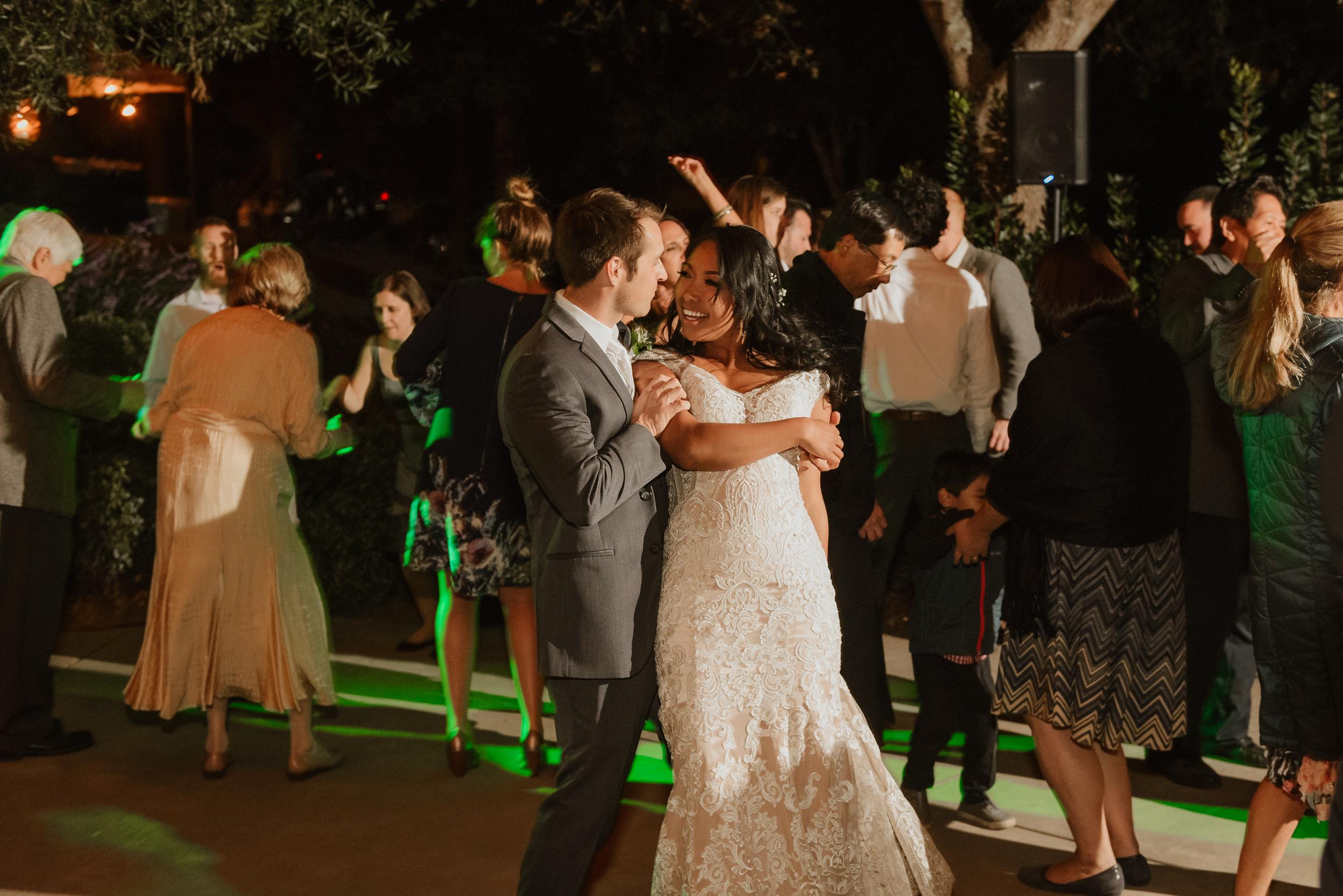 112marin-petaluma-backyard-wedding-vivianchen-697.jpg