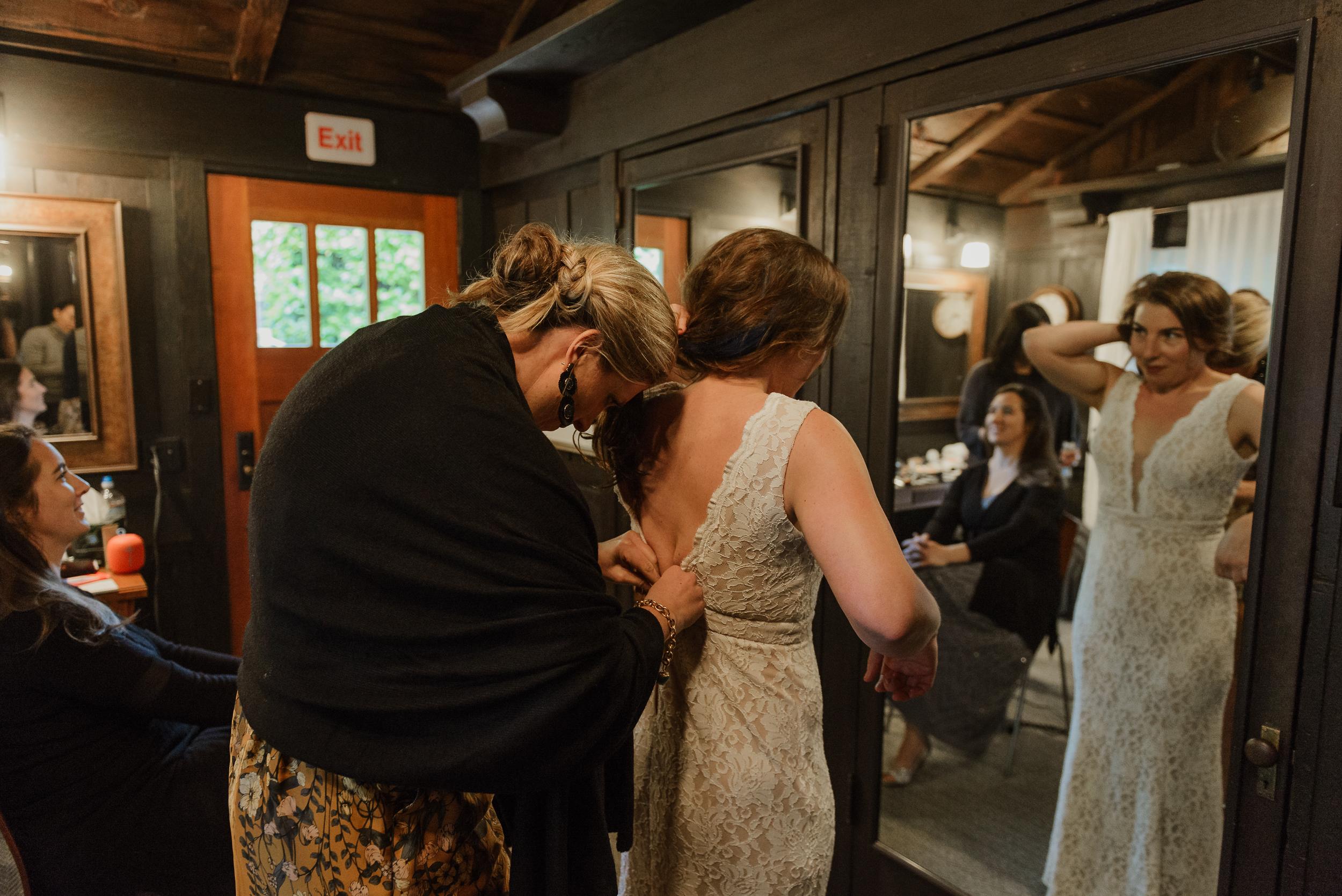 007winter-mill-valley-wedding-outdoor-art-club-wedding-vivianchen-050.jpg