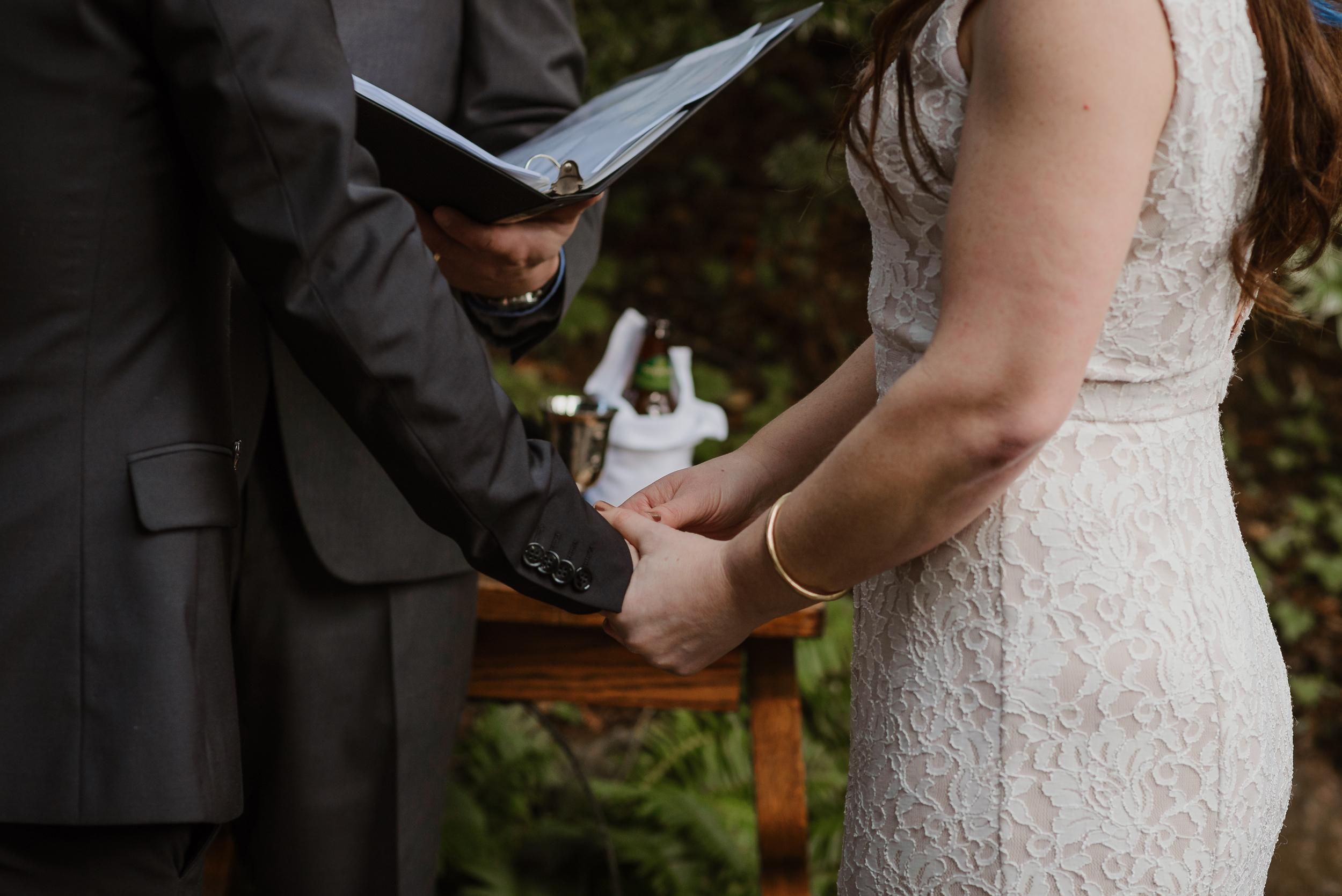 038winter-mill-valley-wedding-outdoor-art-club-wedding-vivianchen-190.jpg
