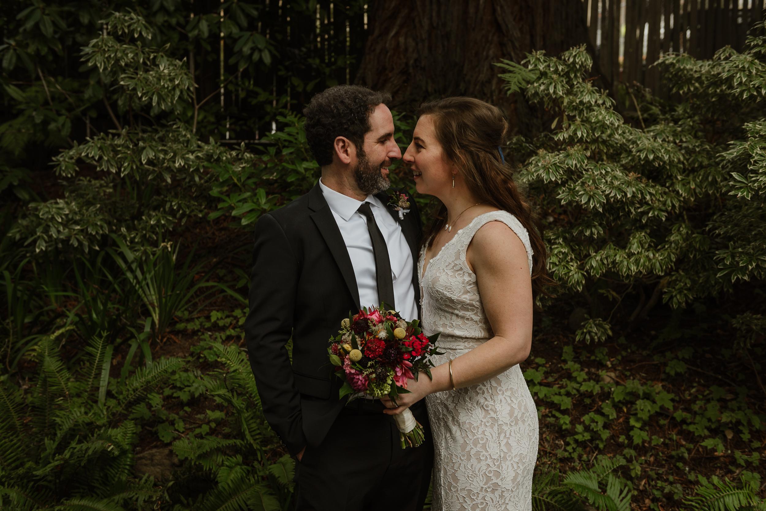 049winter-mill-valley-wedding-outdoor-art-club-wedding-vivianchen-250.jpg