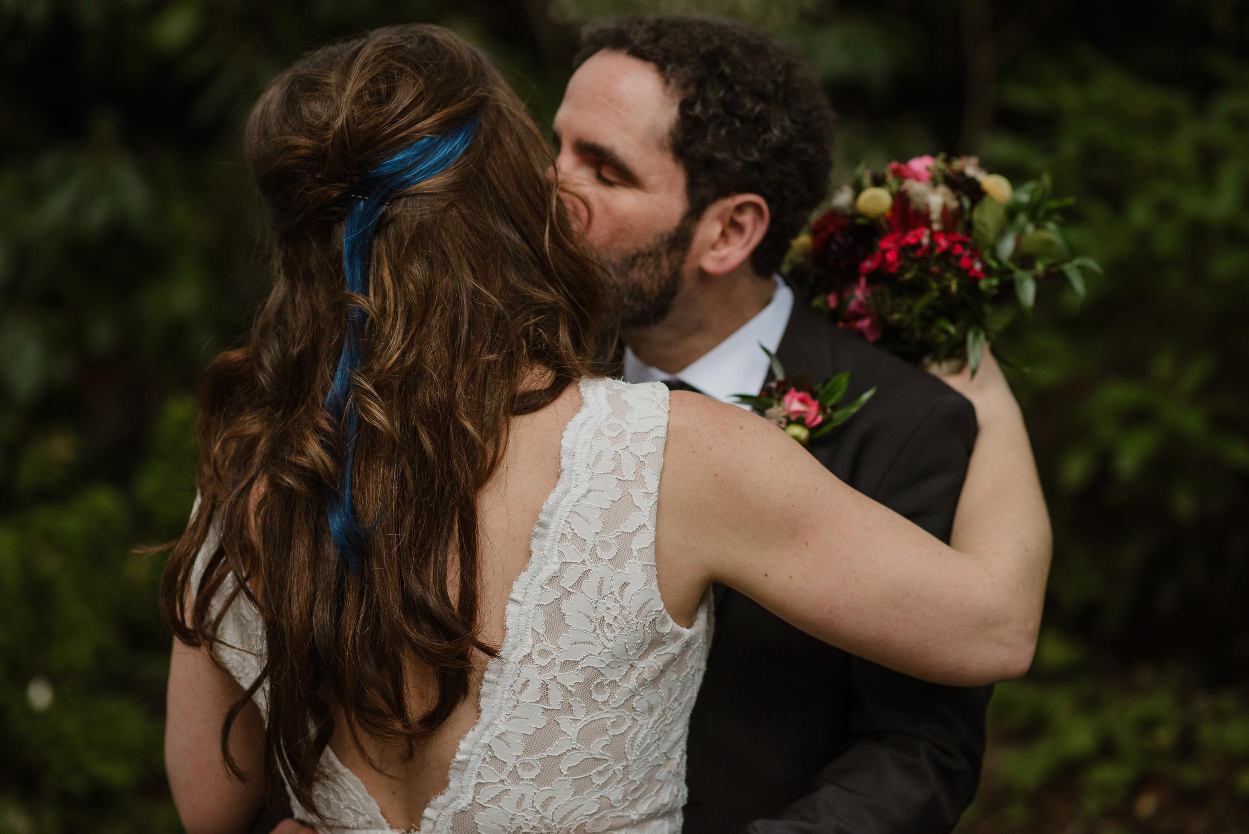 050winter-mill-valley-wedding-outdoor-art-club-wedding-vivianchen-256.jpg