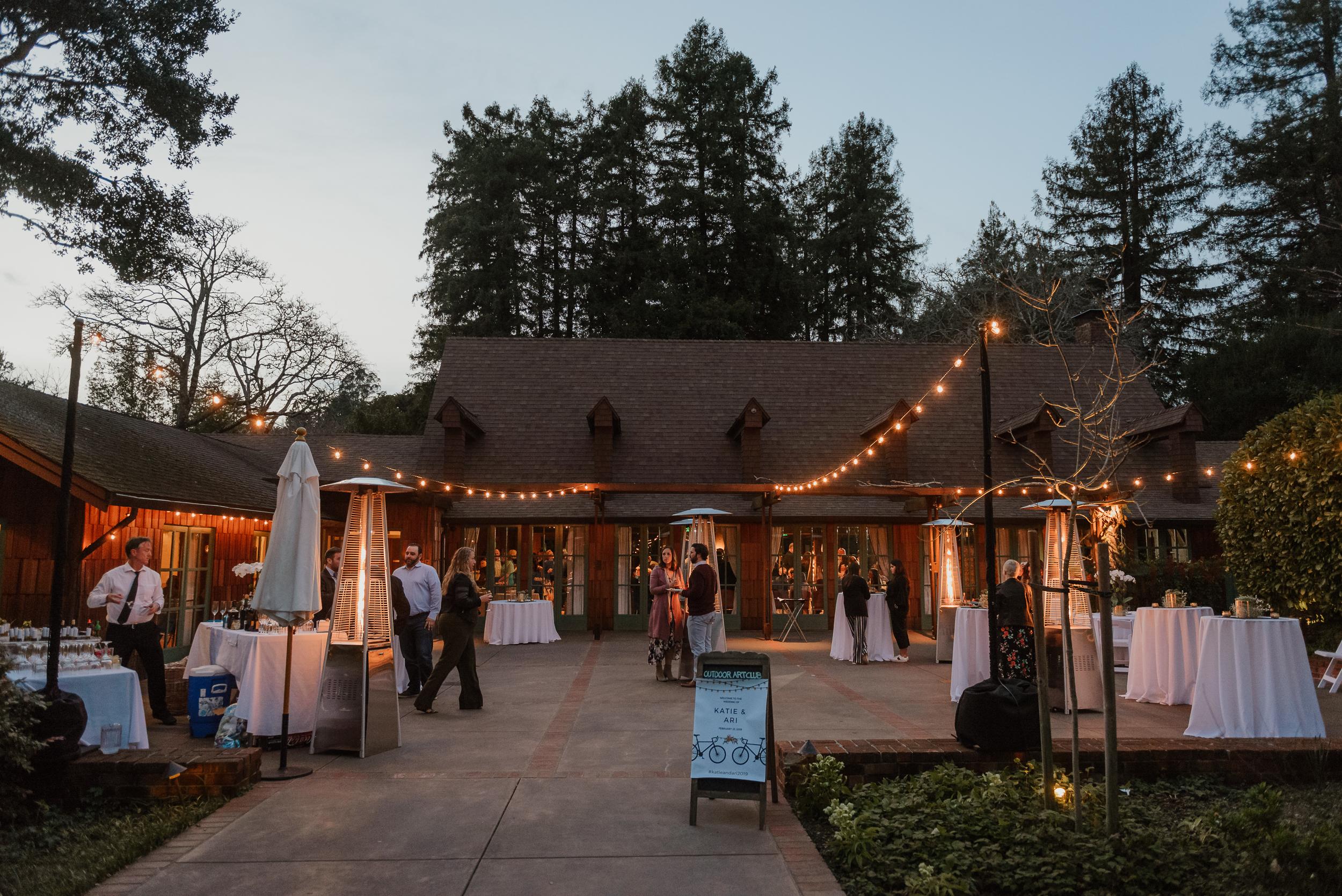 069winter-mill-valley-wedding-outdoor-art-club-wedding-vivianchen-420.jpg