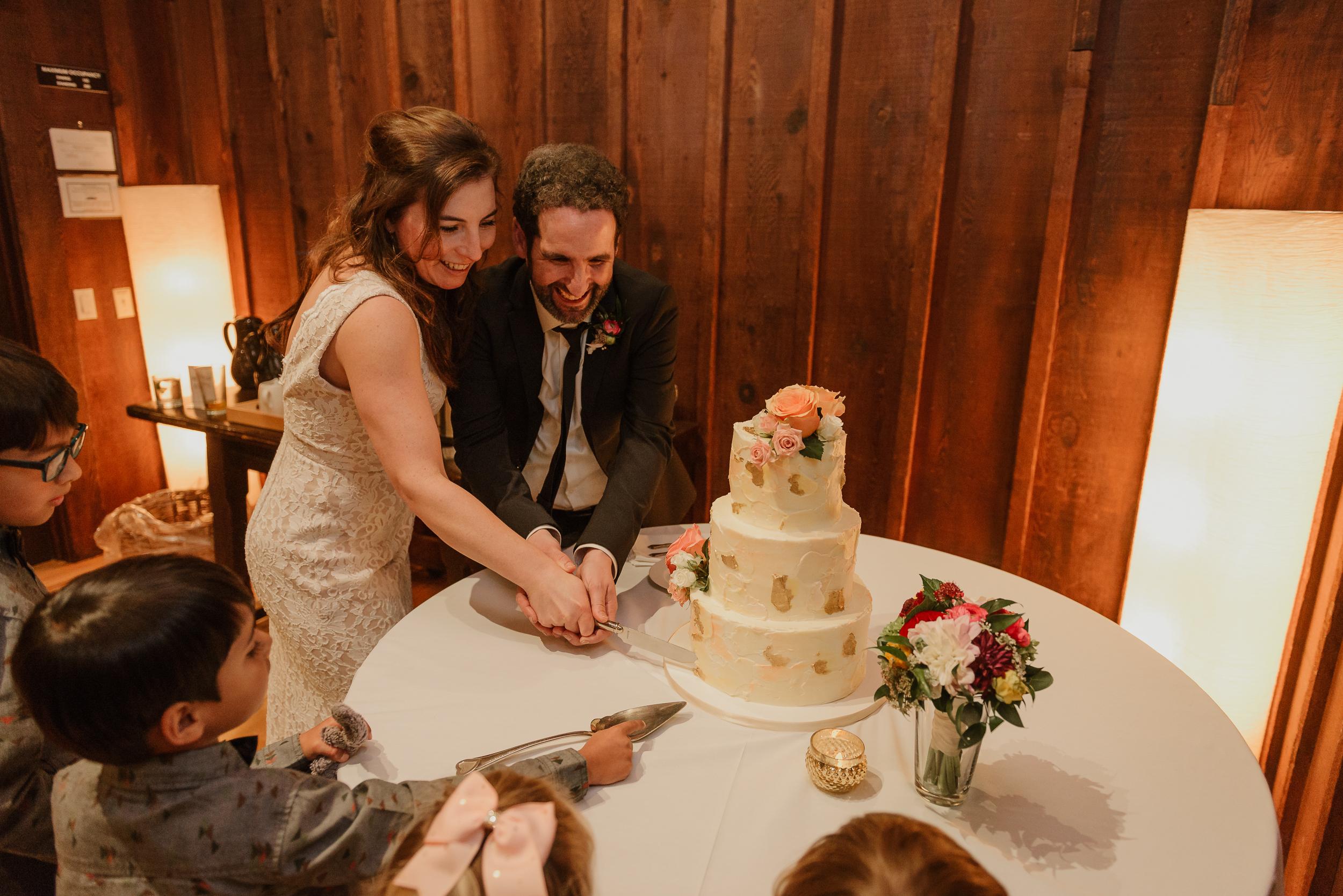 075winter-mill-valley-wedding-outdoor-art-club-wedding-vivianchen-430.jpg
