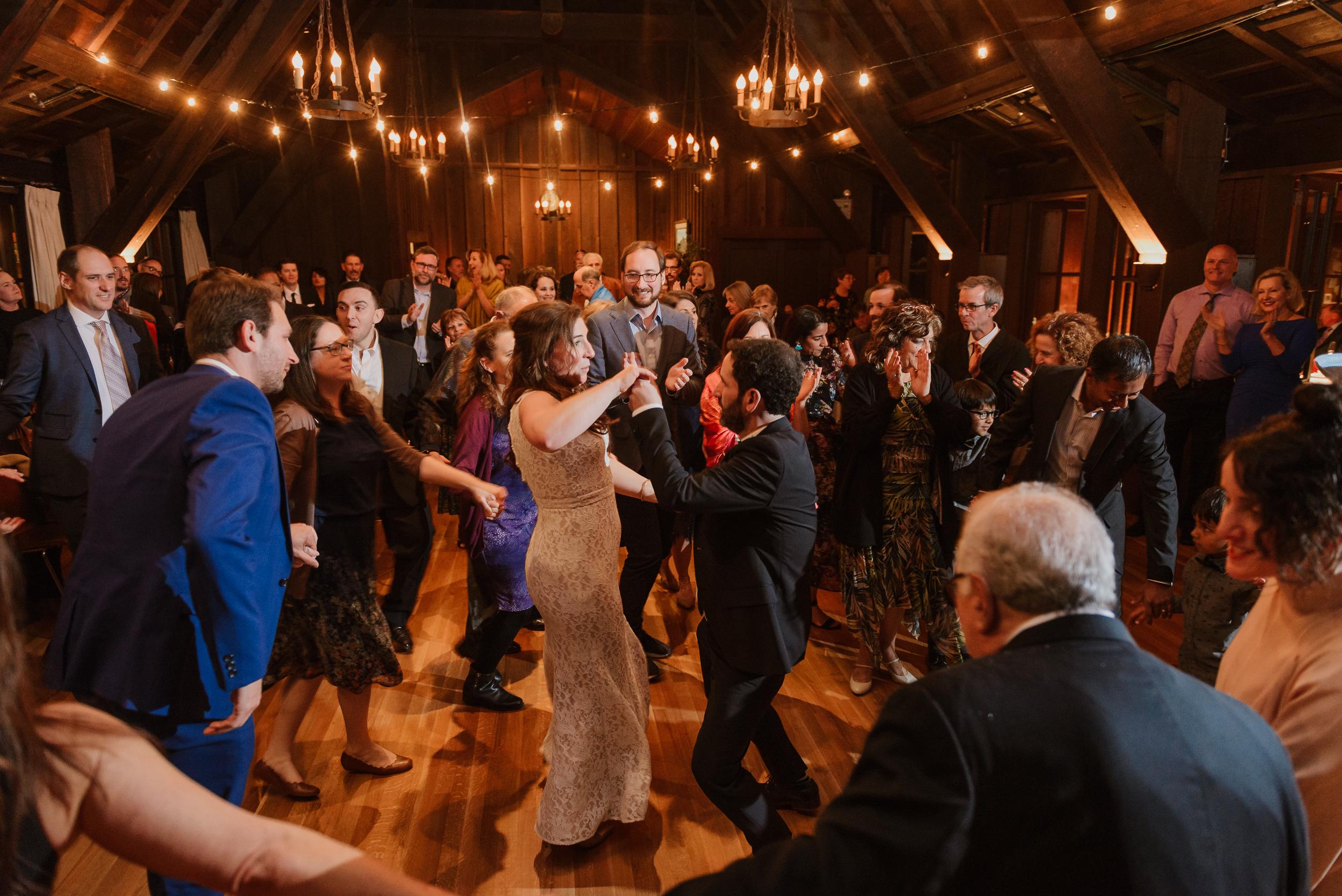 078winter-mill-valley-wedding-outdoor-art-club-wedding-vivianchen-447.jpg