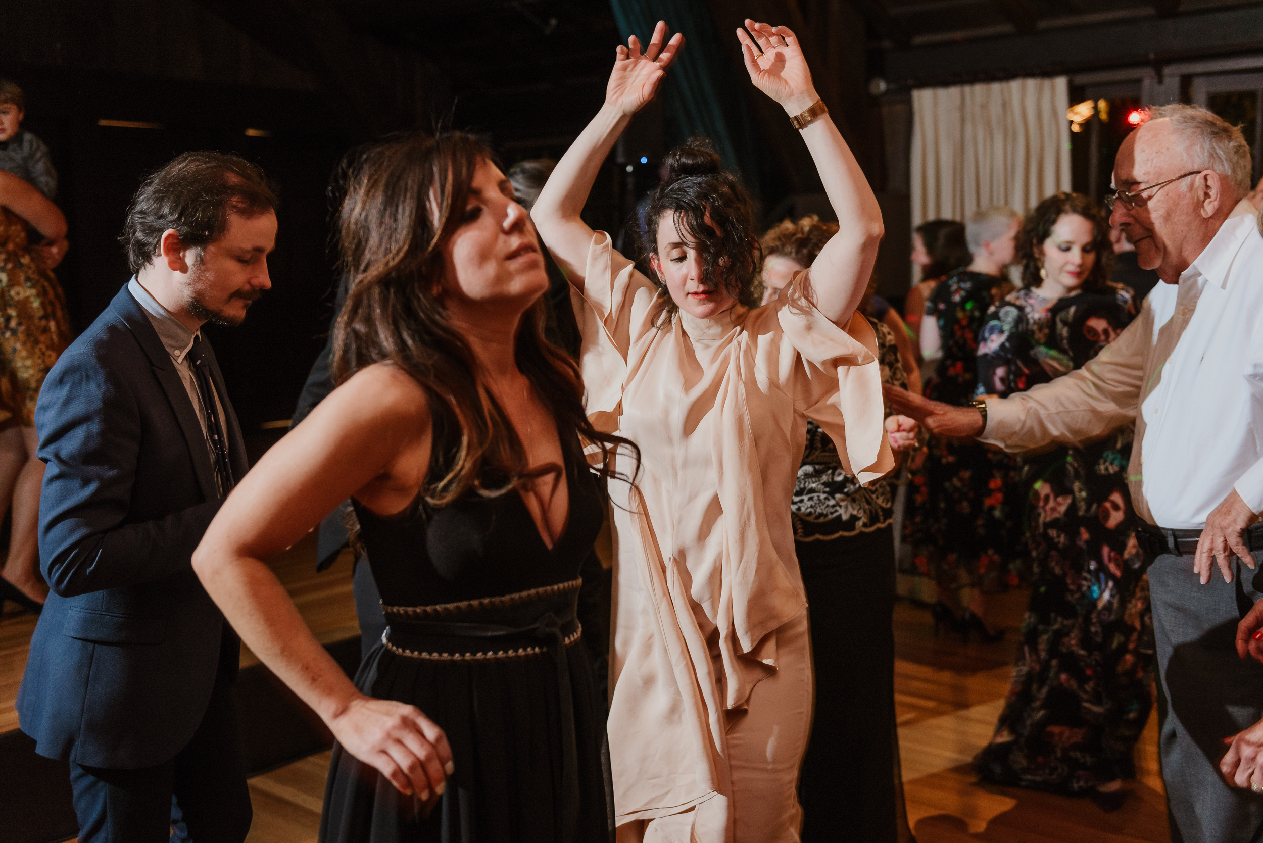 085winter-mill-valley-wedding-outdoor-art-club-wedding-vivianchen-469.jpg