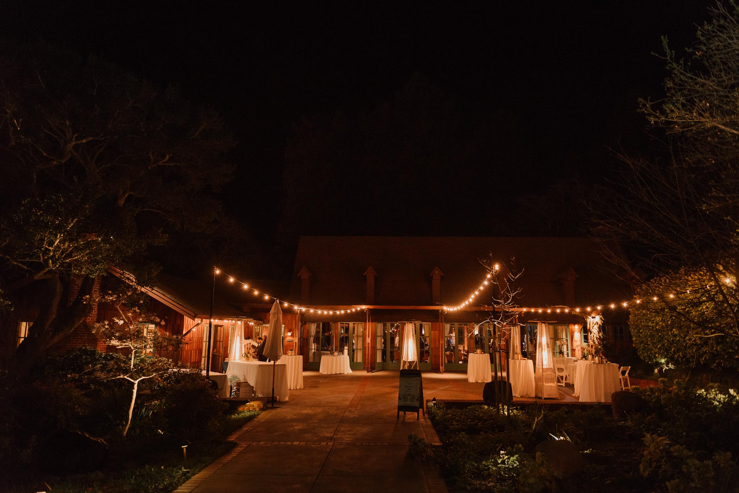 089winter-mill-valley-wedding-outdoor-art-club-wedding-vivianchen-501.jpg