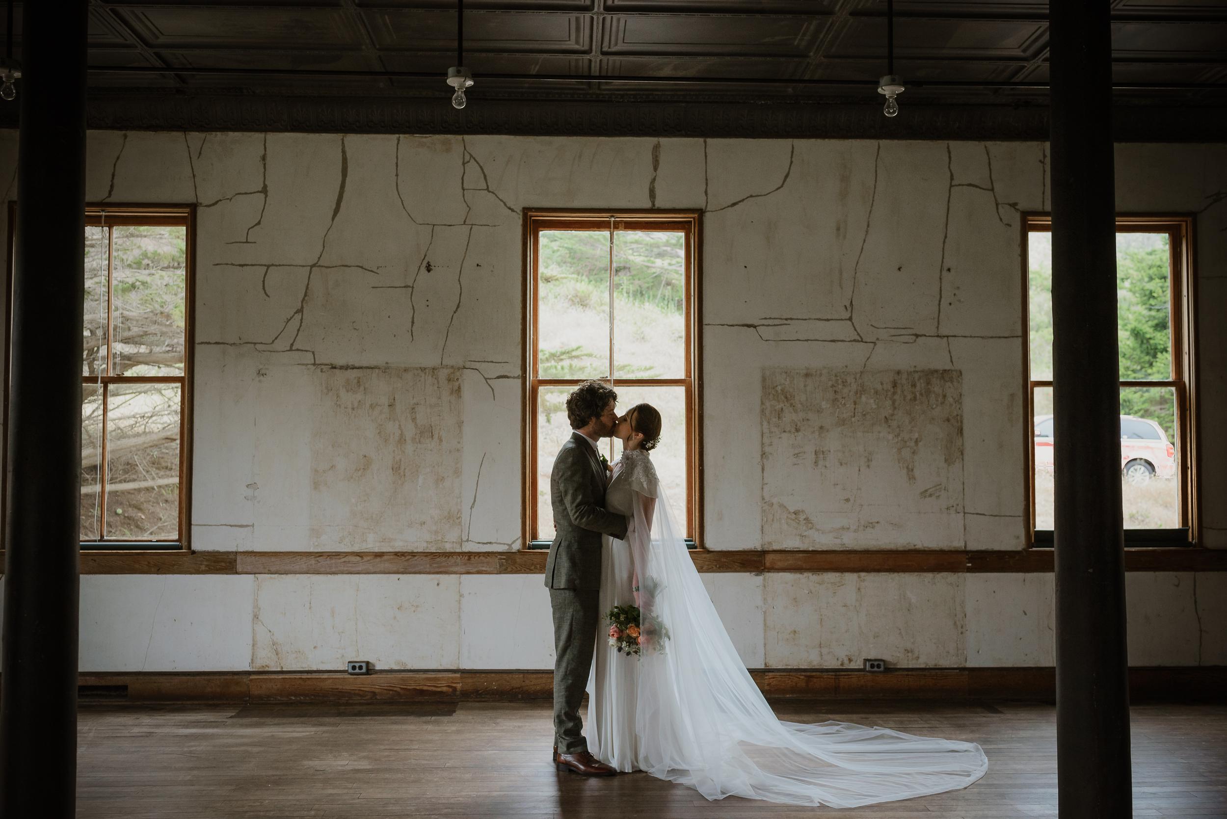 027-san-francisco-headlands-center-for-the-arts-wedding-vivianchen-249.jpg