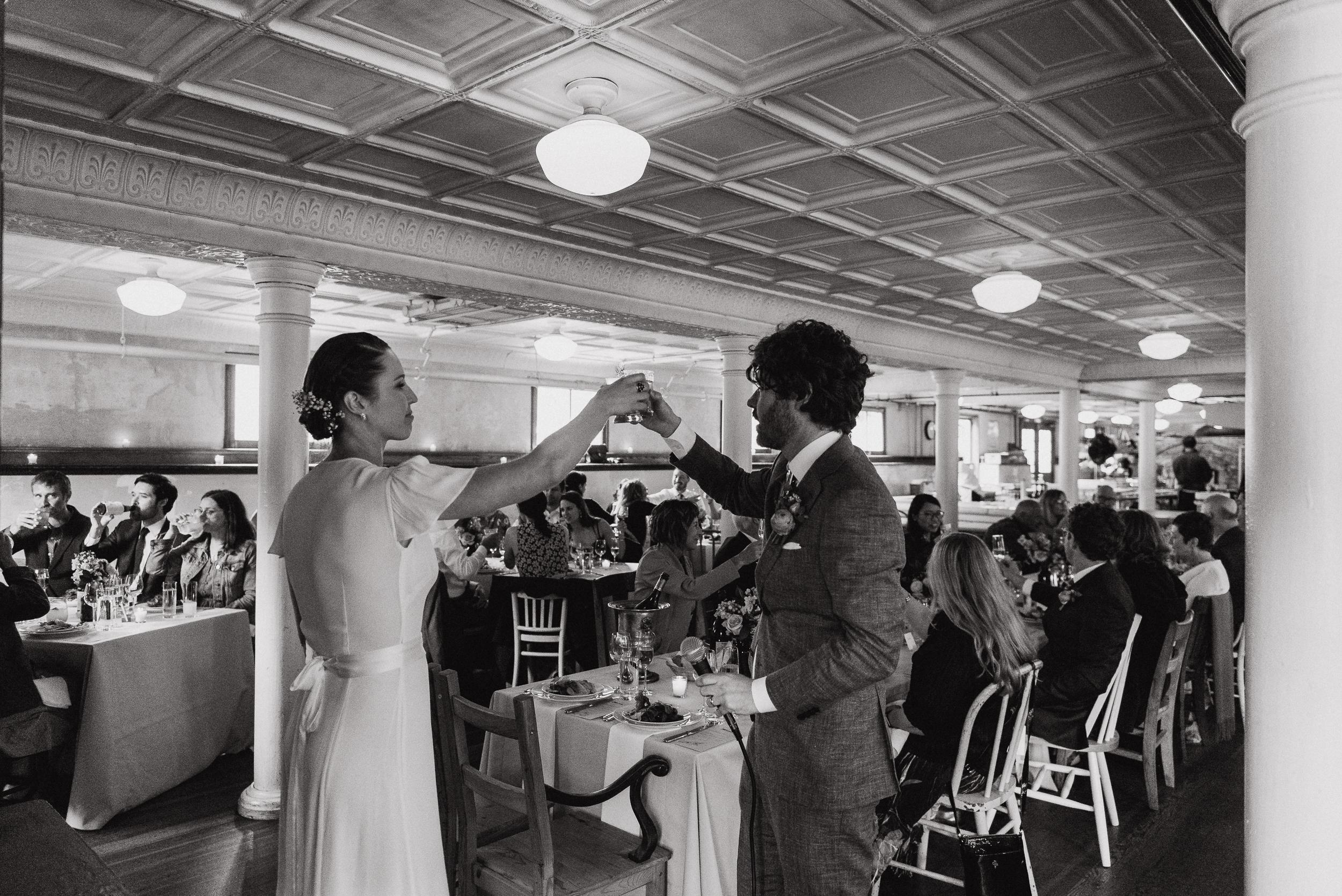 089-san-francisco-headlands-center-for-the-arts-wedding-vivianchen-486.jpg