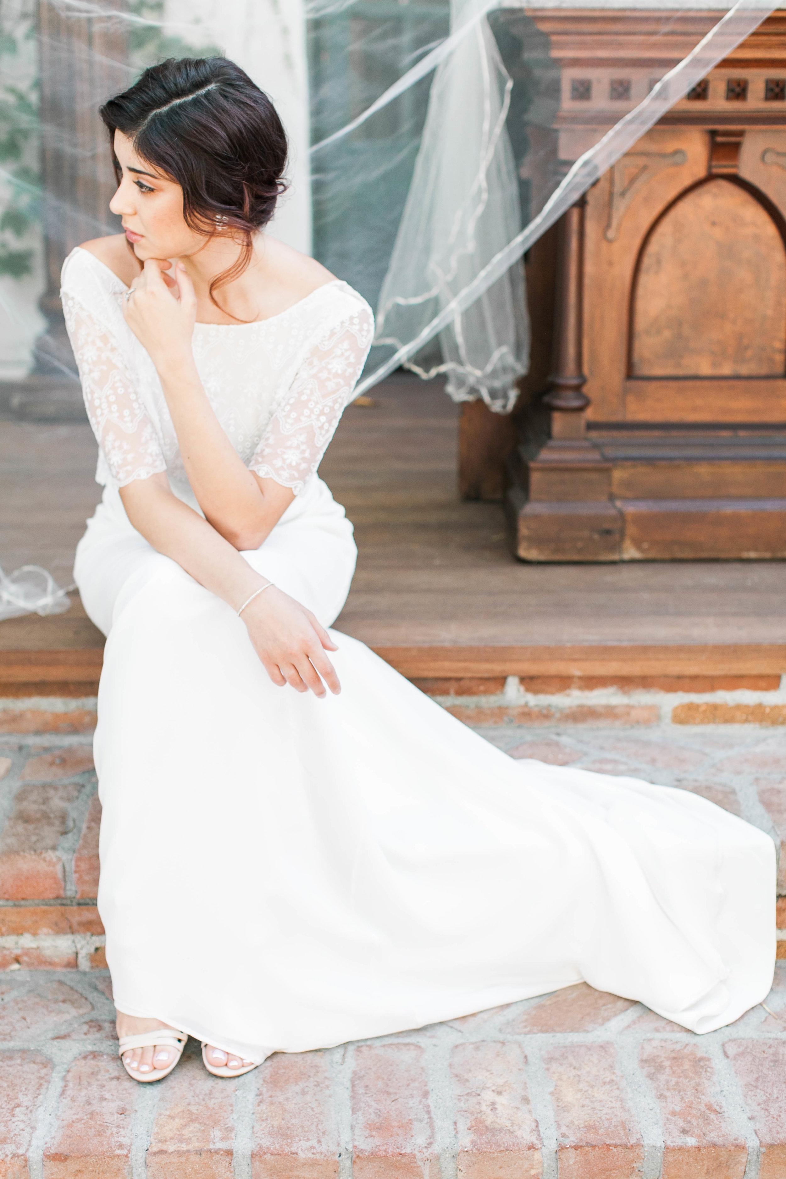 Gown: Donatelle Godart via http://www.solsticebride.com/