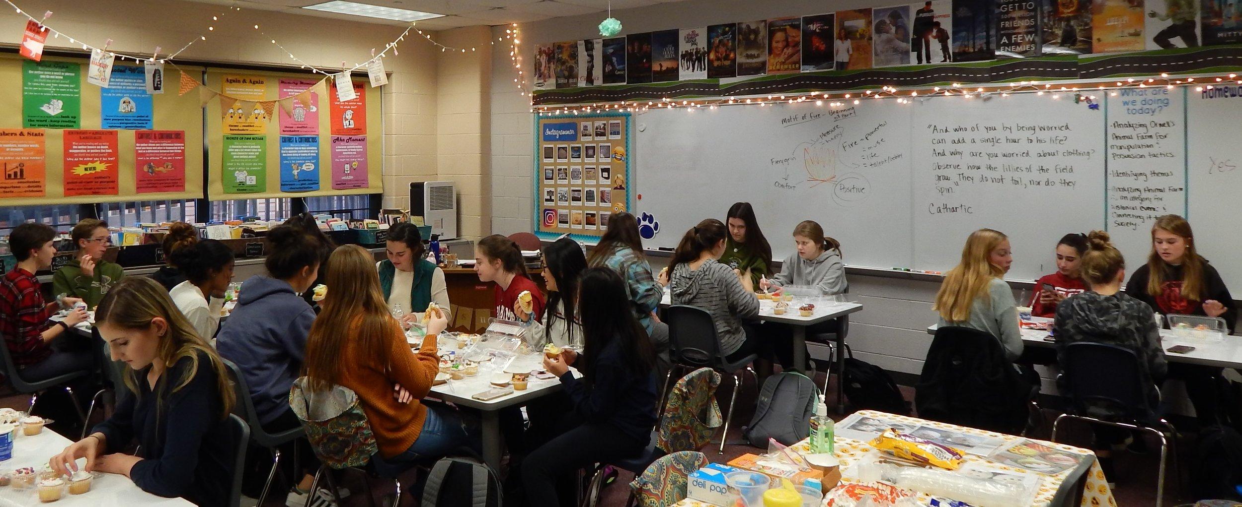 HHHS 12-11 Cupcake Party 2.jpg