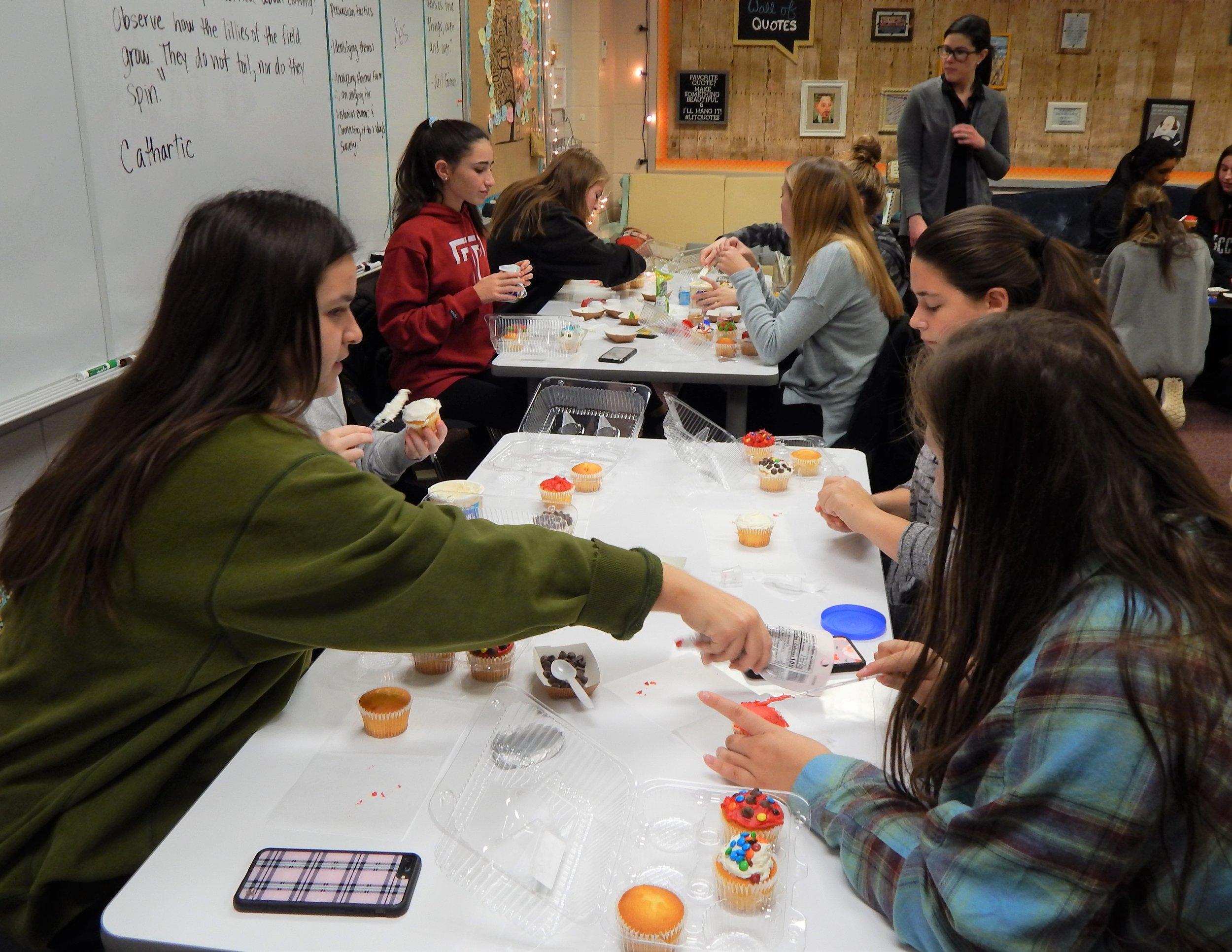 HHHS 12-11 Cupcake Party 1.jpg
