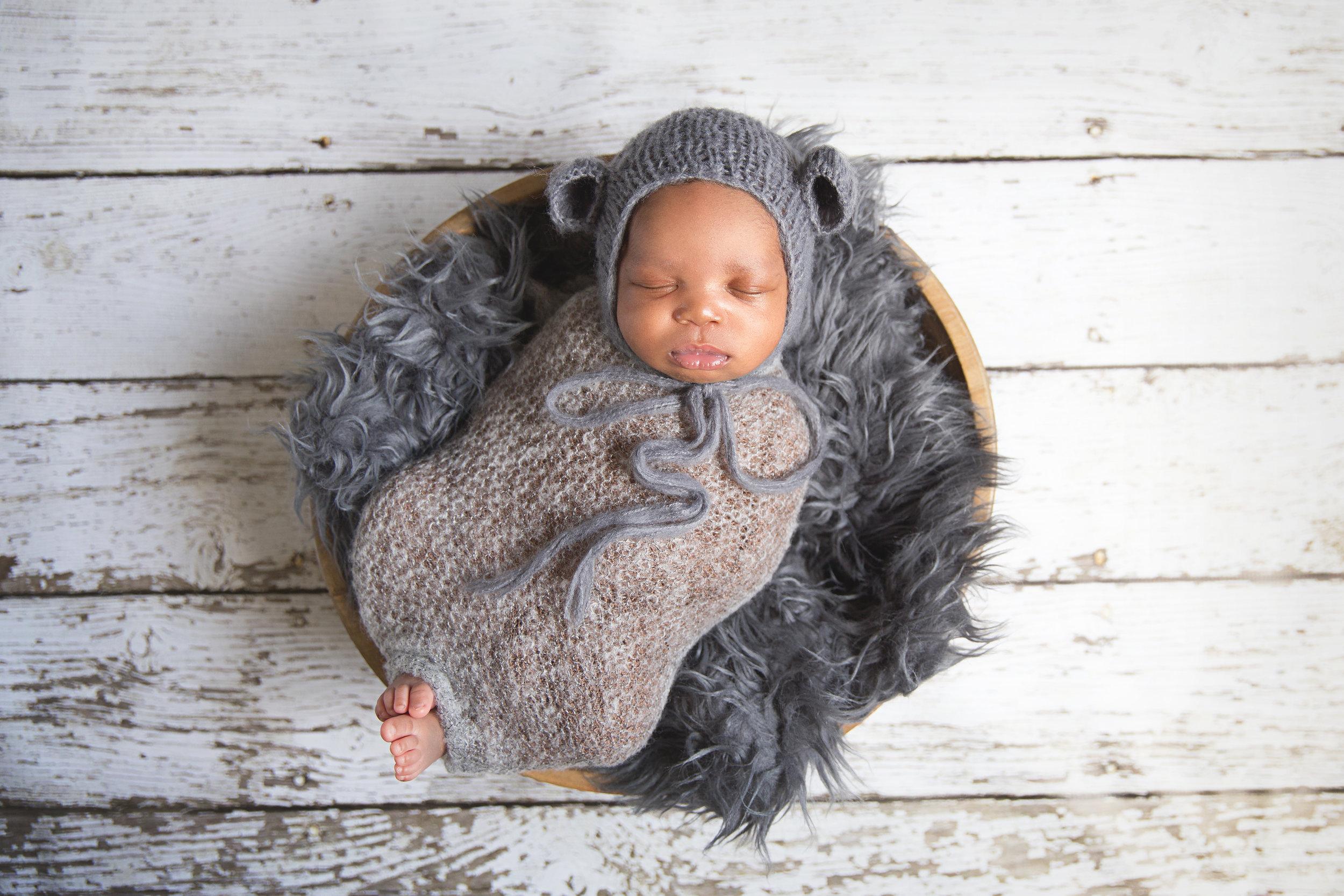 Newborn pictures - Calgary photographer