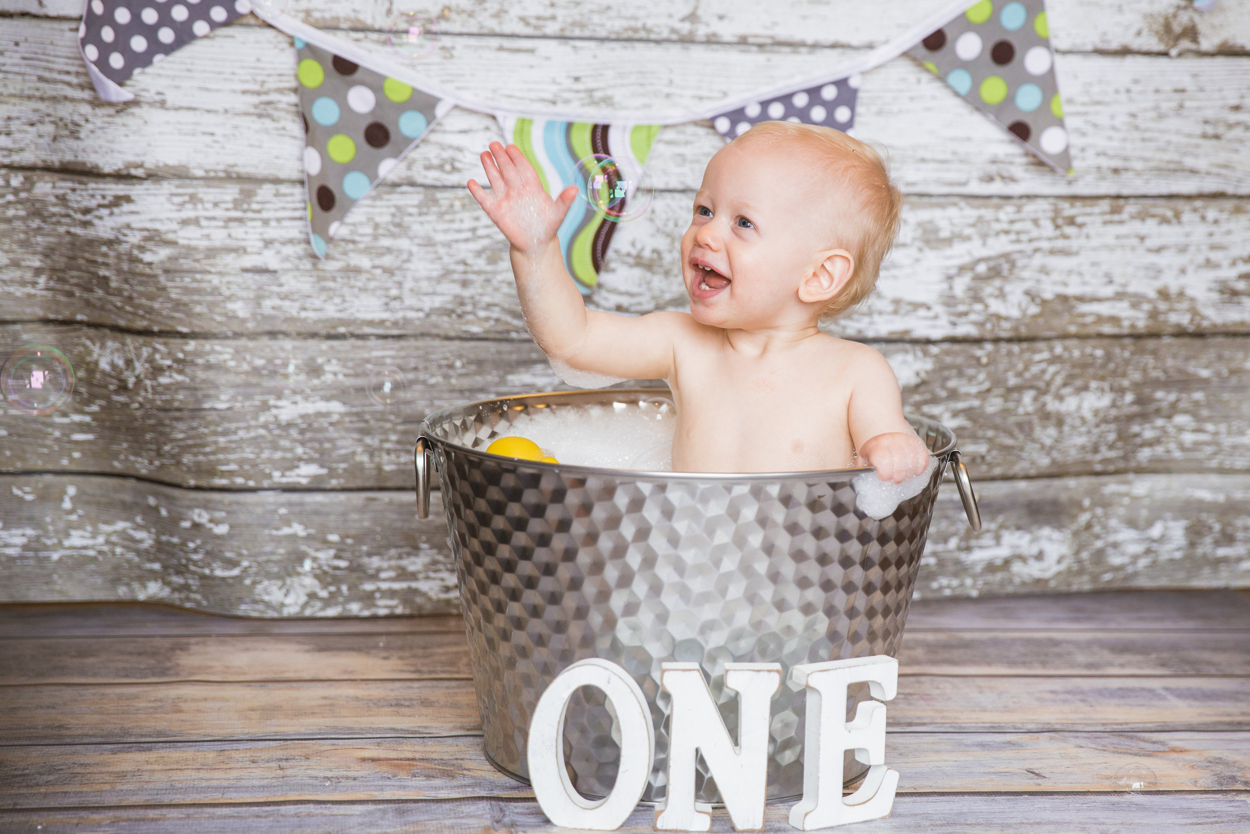 Cake Smash 1st Birthday Photoshoot - Calgary Photographer