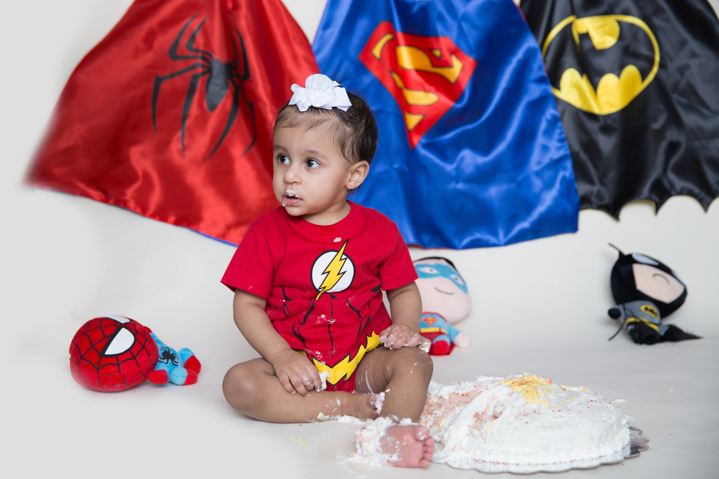 Superhero inspired Cakesmash with Airdrie Photographer