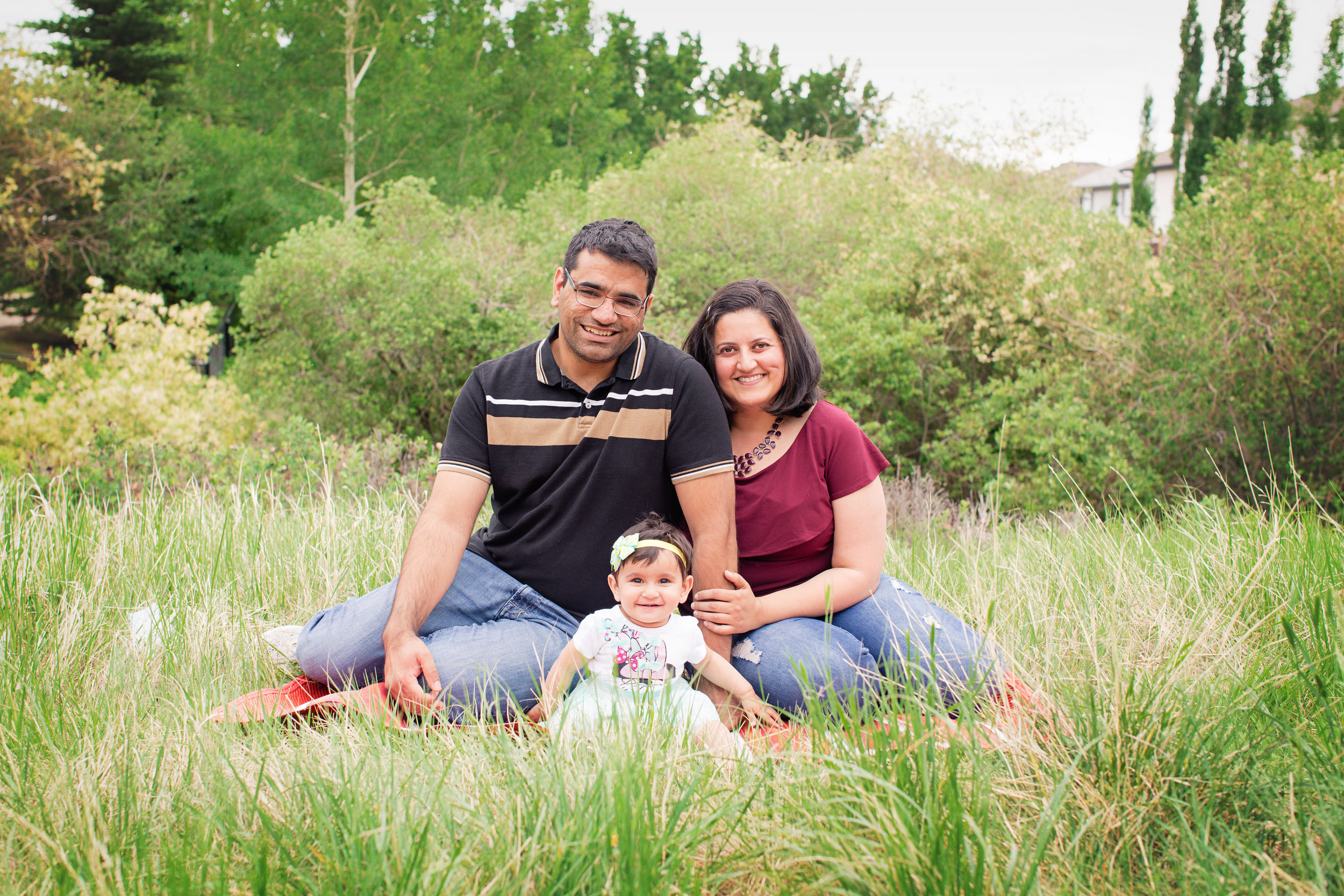Family shoot with a one year old birthday girl. Calgary family photographer. Milashka Photography.