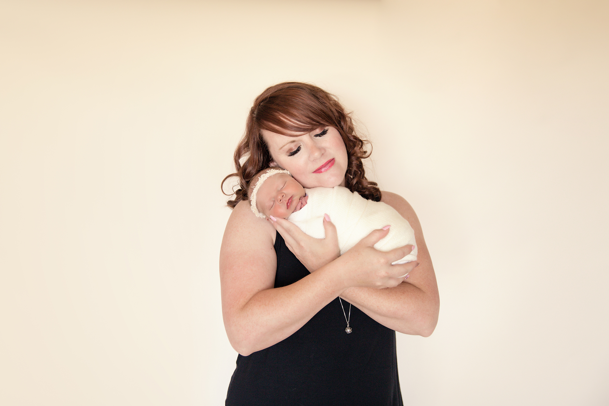 Newborn Photoshoot inspiration ideas. Calgary and Airdrie, Alberta Newborn and Baby photographer - Milashka Photography. Mother and newborn baby daughter shot.