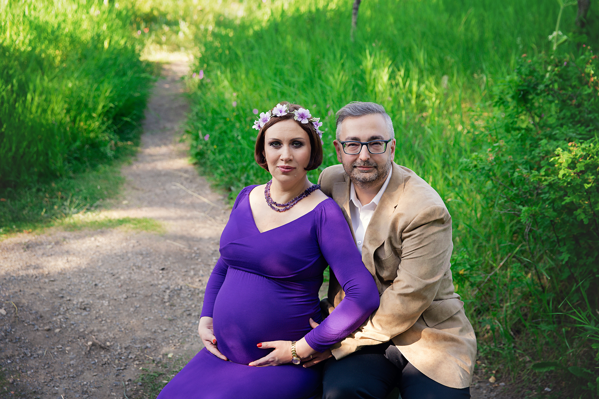 Parents-to-be during a maternity photoshoot. Calgary and Airdrie Maternity photographer