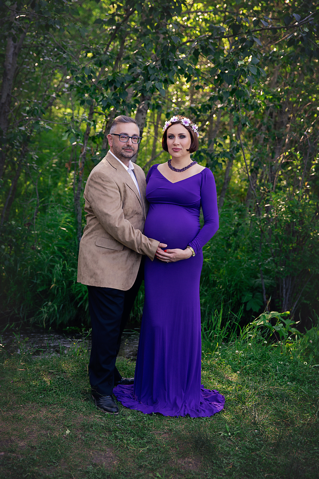 Parents to be. Maternity couple photoshoot. Calgary and Airdrie Maternity photographer