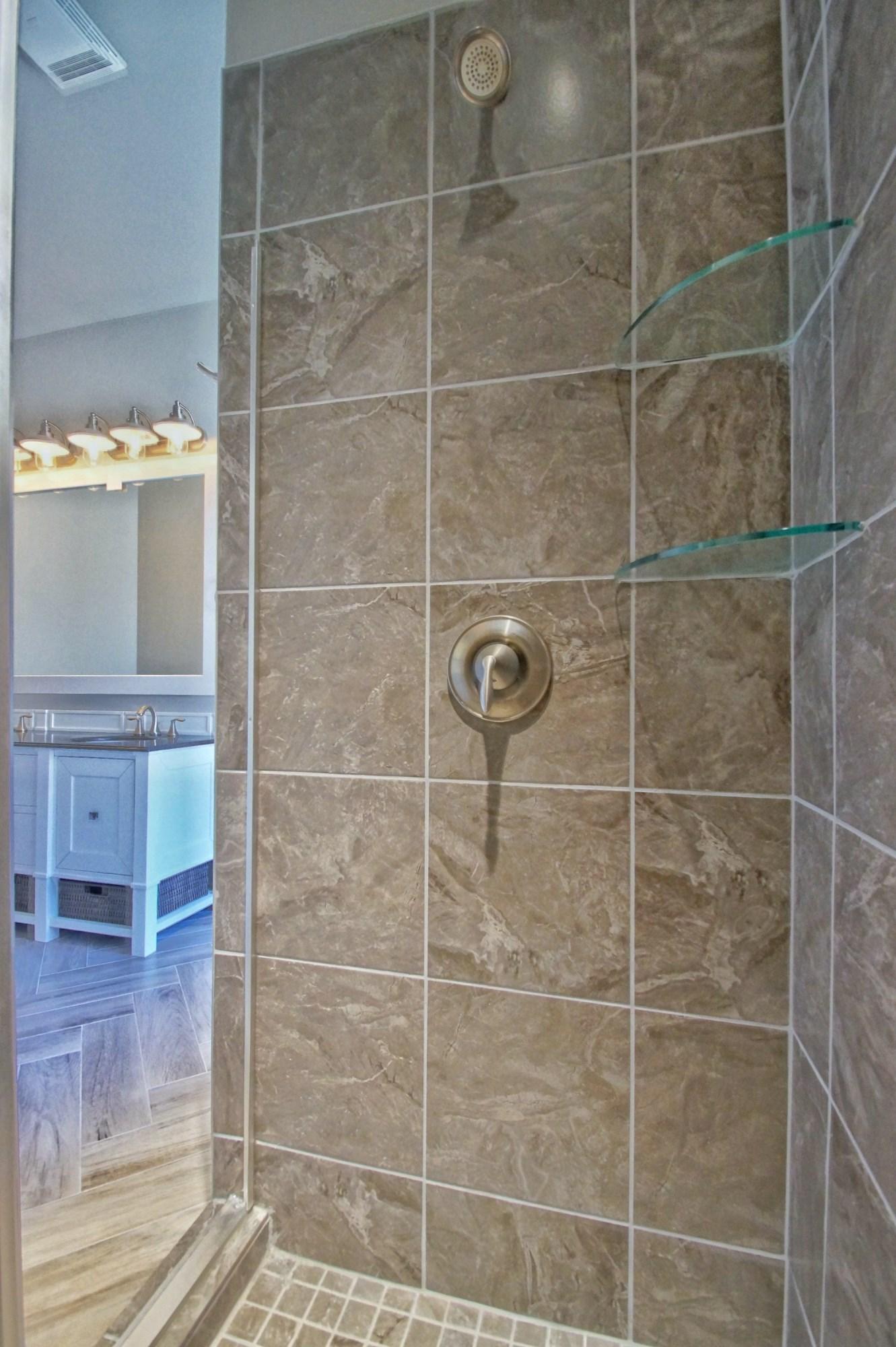 8 - Master bath.jpg