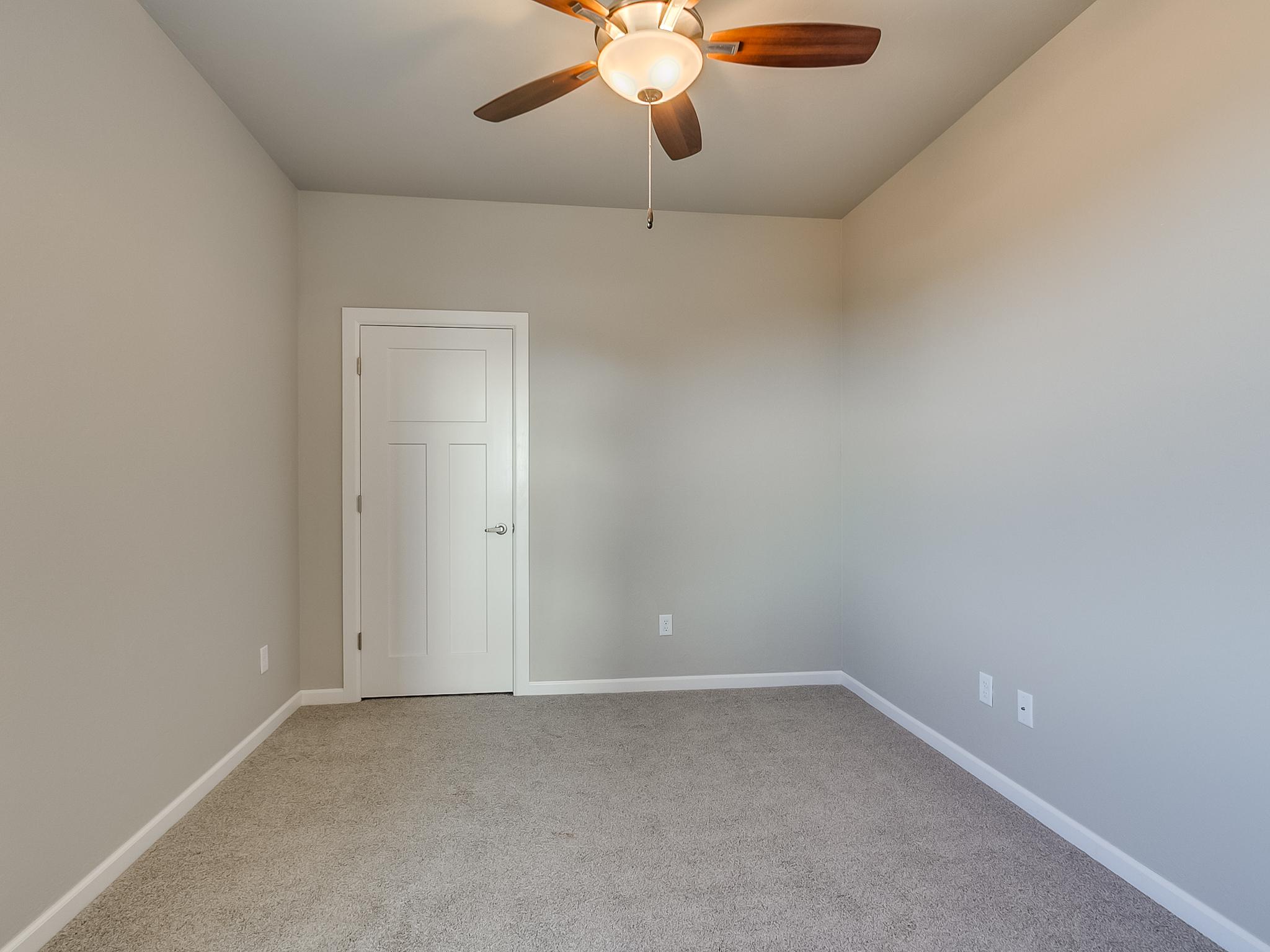 28 - Bedroom.jpg