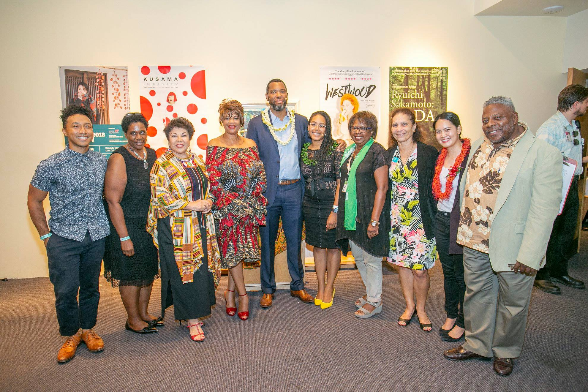 Ta-Nehisi Coates with the Honolulu African American Film Festival Committee. Photo: Shuzo Uemoto