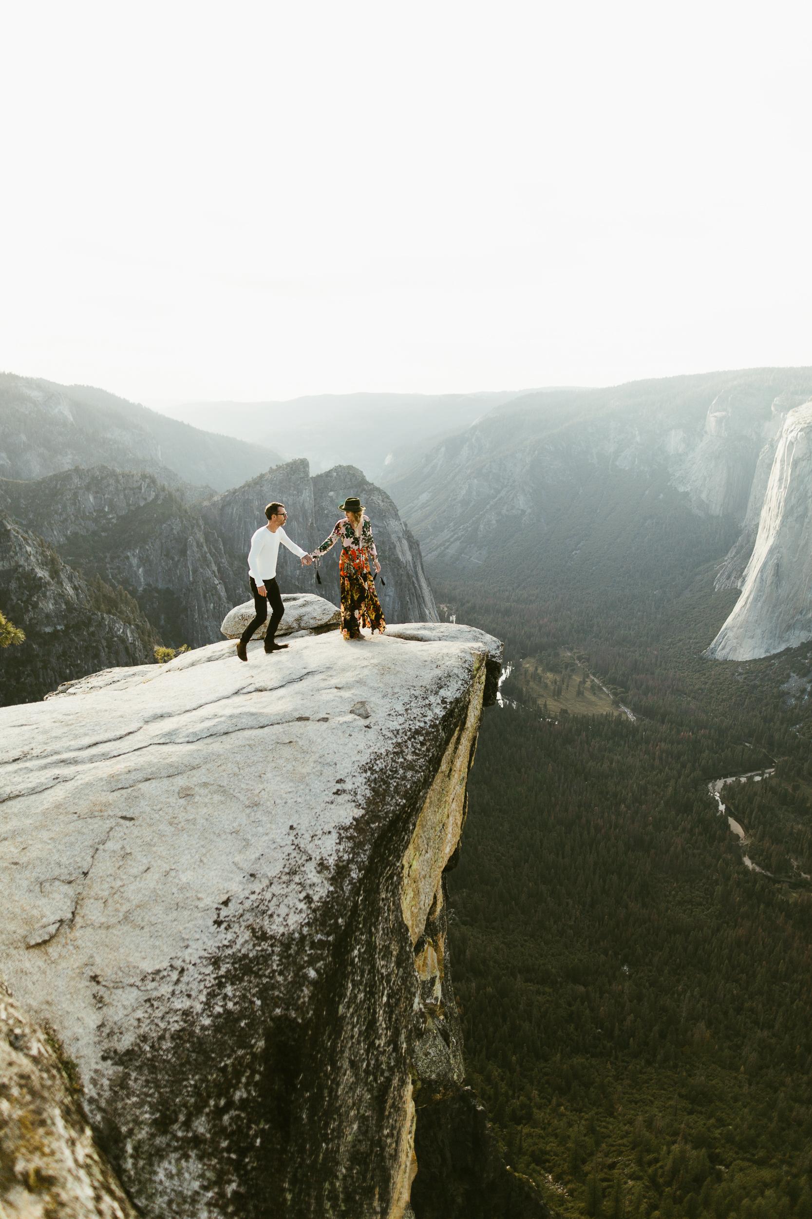 YosemiteElopementPhotographyJacquesFlynnLisaKarst09.jpg