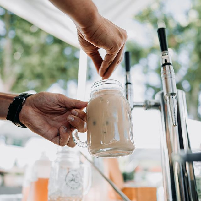 Porterville! Come hang with us tomorrow at the downtown farmers market from 8-11:30am. We've got a brand new raspberry green tea dropping on nitro.  On the menu :  Nitro oatmilk latte Nitro raspberry green tea Iced coconut oolong Iced moroccan mint Flash brew coffee 📸: @nolens.photography