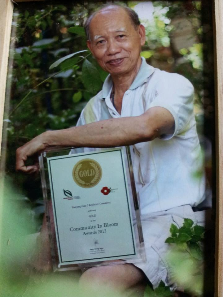 Uncle Tan, with Gold Award of Community in Bloom 2012