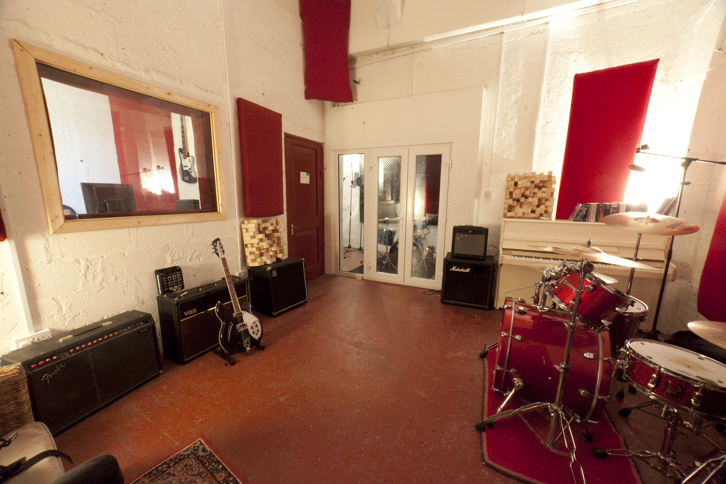 Darklands Audio Live Room