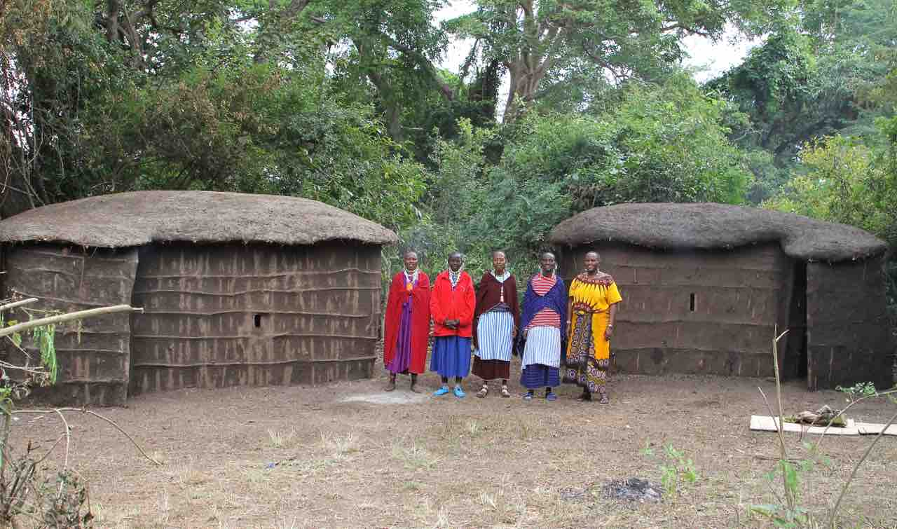 cac's maasai boma with the builders