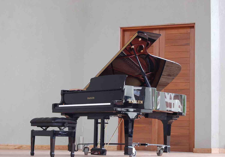 the grand piano at the centre