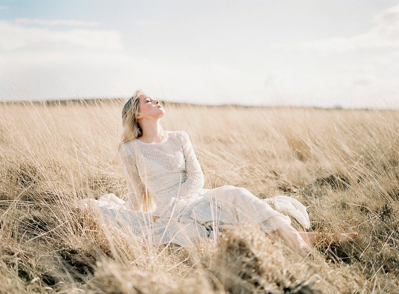 Amanda-Drost-modefotograaf-fashion-photography-editorial-odylyne-weddingdress_0002.jpg