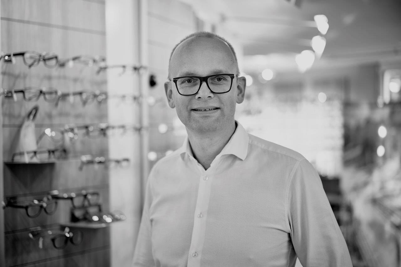 Edward van Egmond - Augenoptikermeister, Optometrist, Kontaktlinsenspezialist