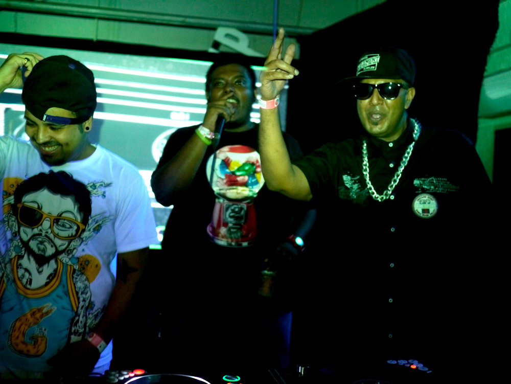 Dj SA, Host Philly and Dj Uri Hip Hop night at Smaash for NH7.in
