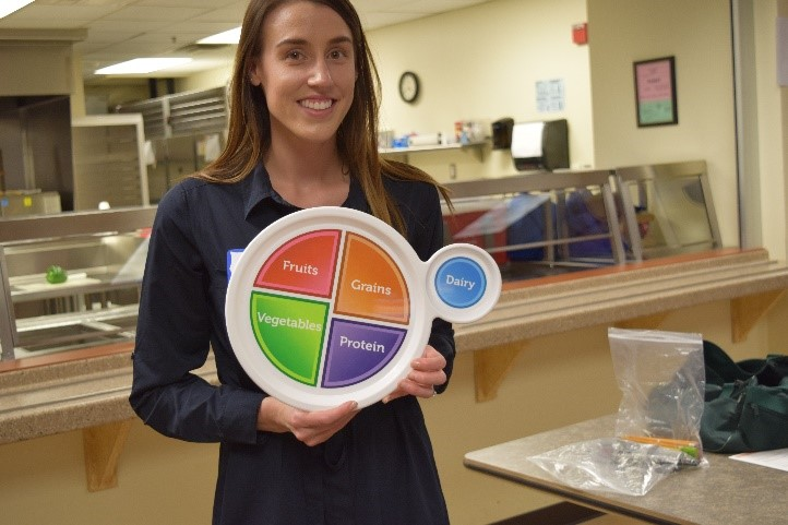 nutritionist with myplate.jpg