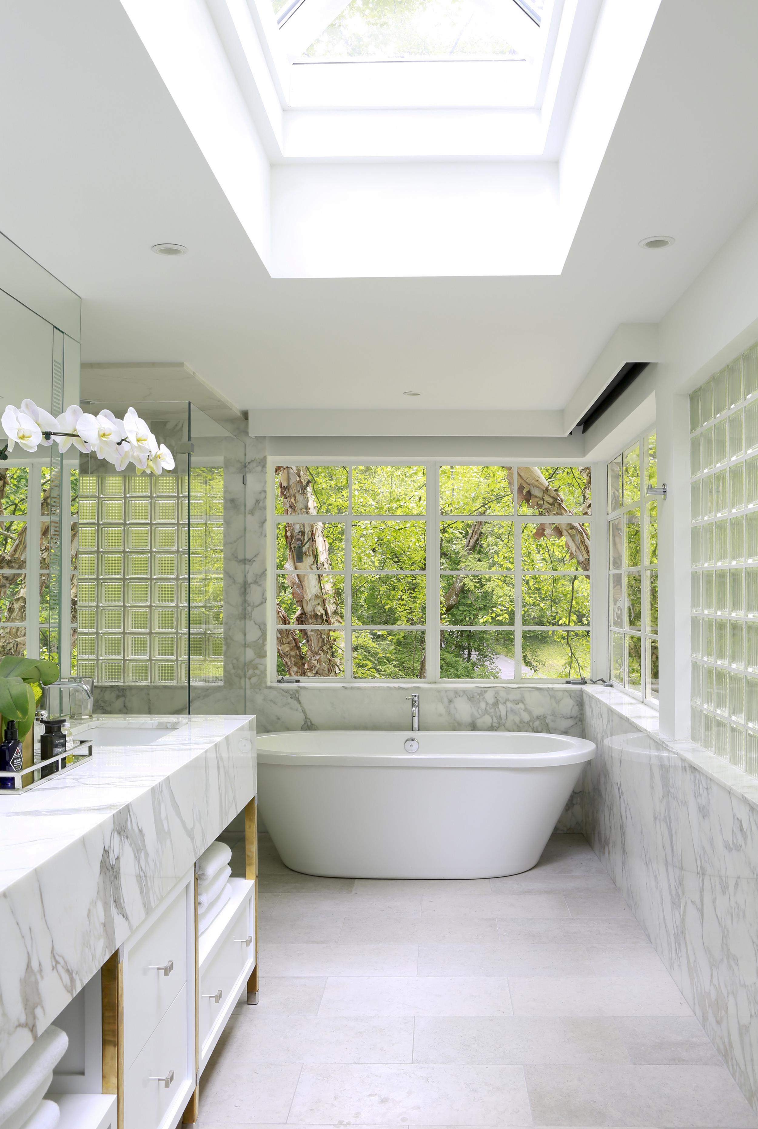32 Master Bath .jpg