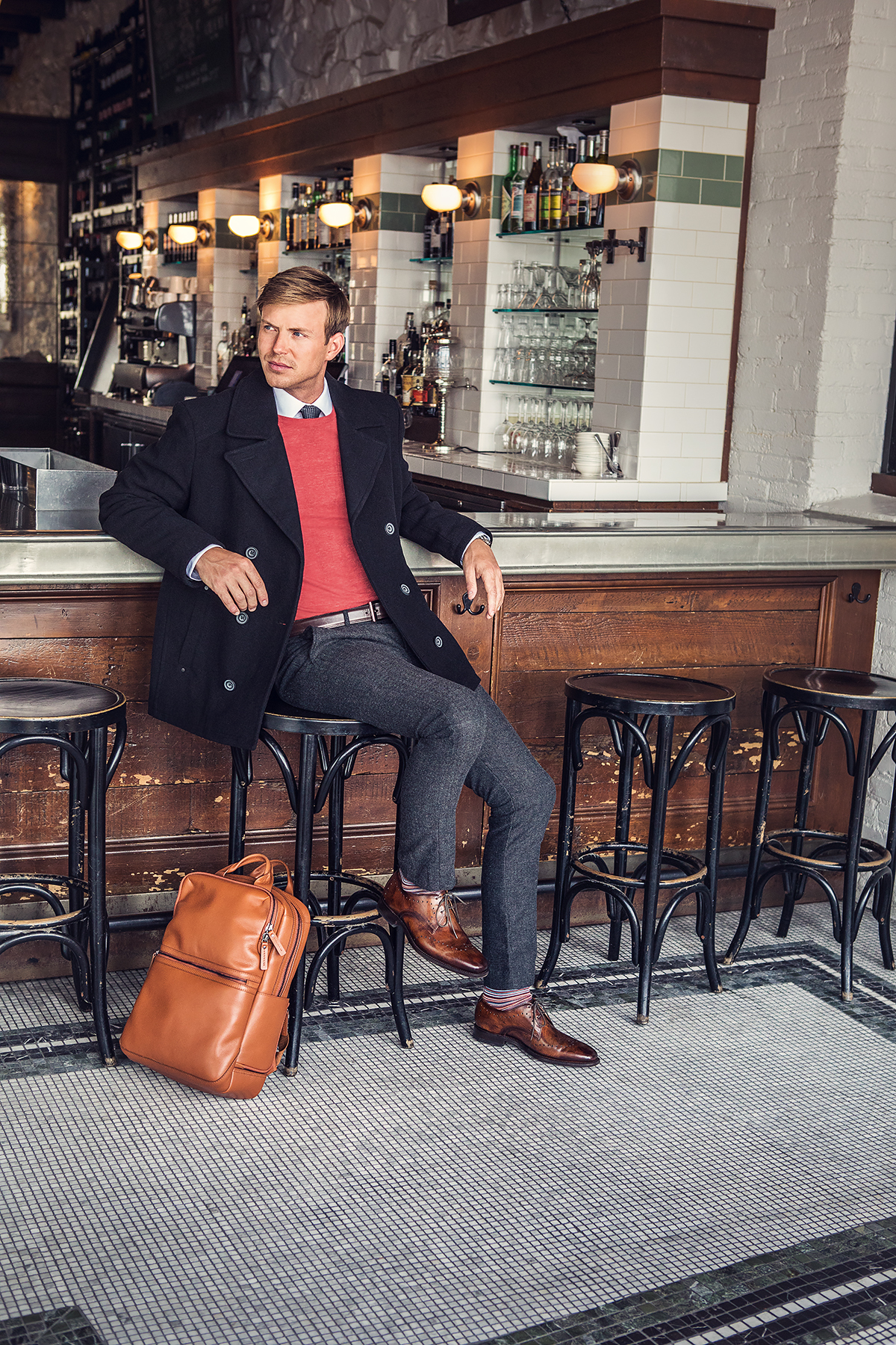 MC_2018-FW_Lifestyle_Brice-Brown-Shoe_BackOffice-Tan-Bag1_Sm.jpg
