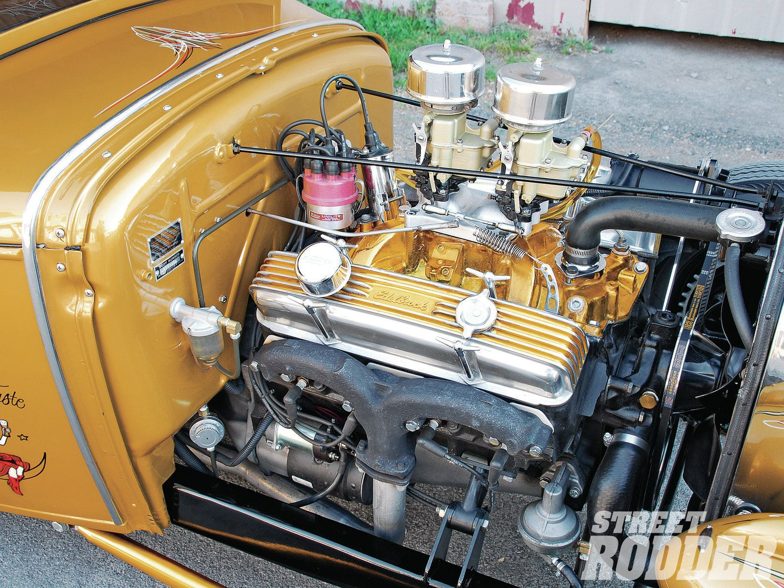 1112sr-04+1930-ford-coupe+engine.jpg