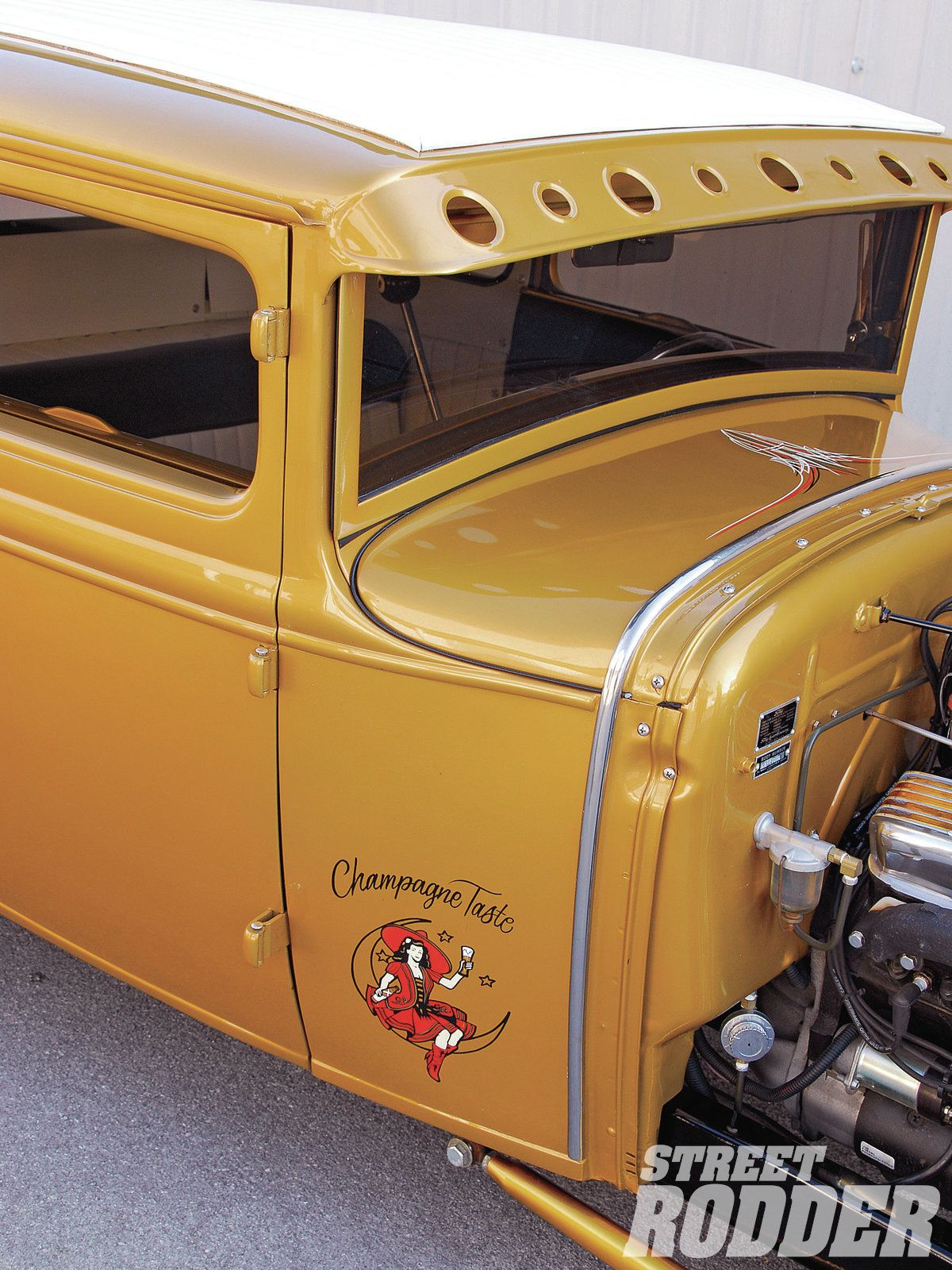 1112sr-07+1930-ford-coupe+cab.jpg