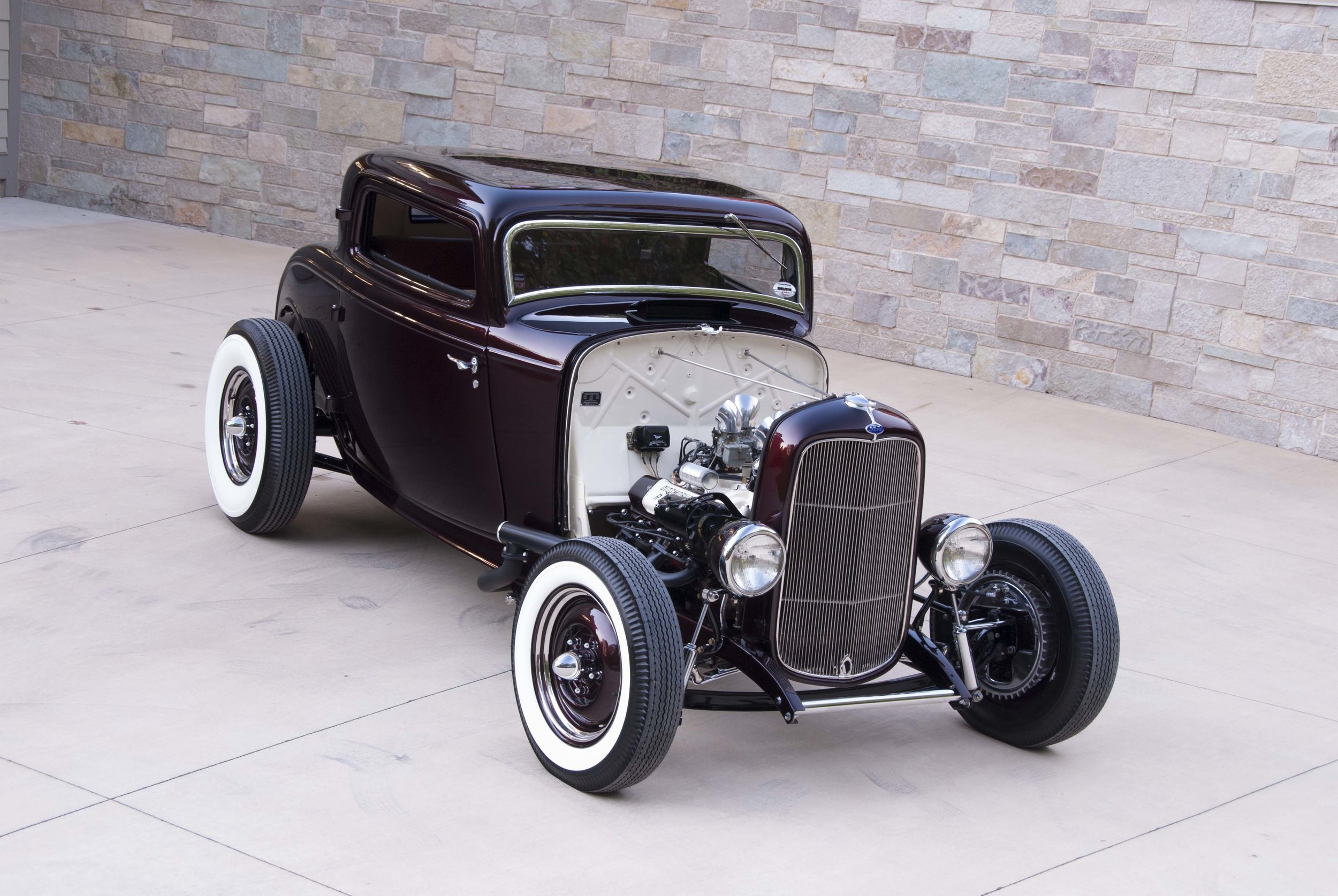 24-1932-ford-three-window-highboy-coupe-olds-rocket-start.jpg