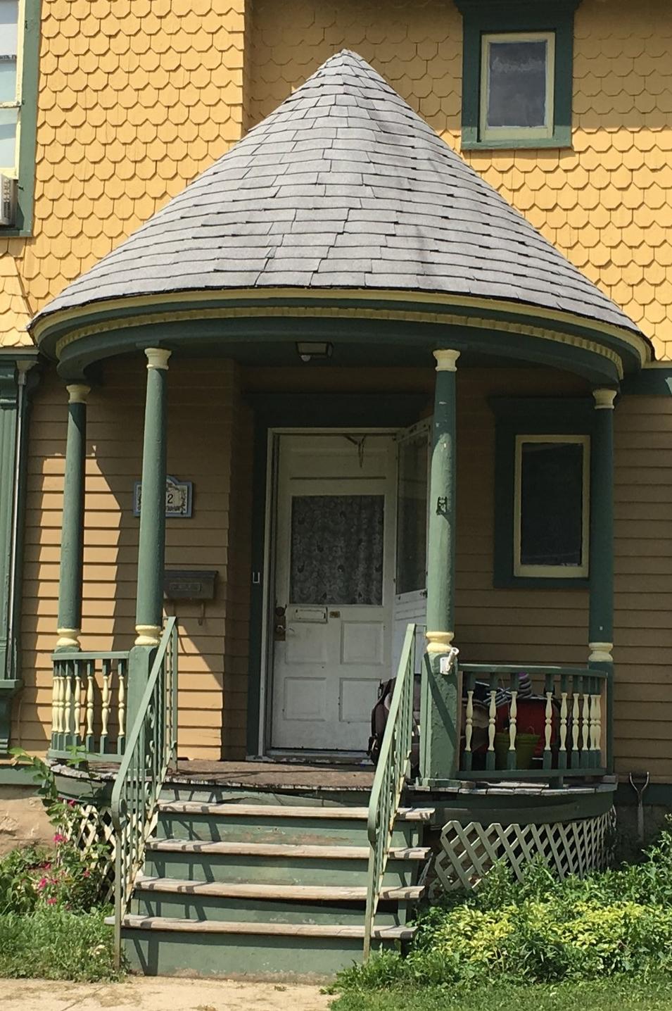 Perry 322 porch.JPG