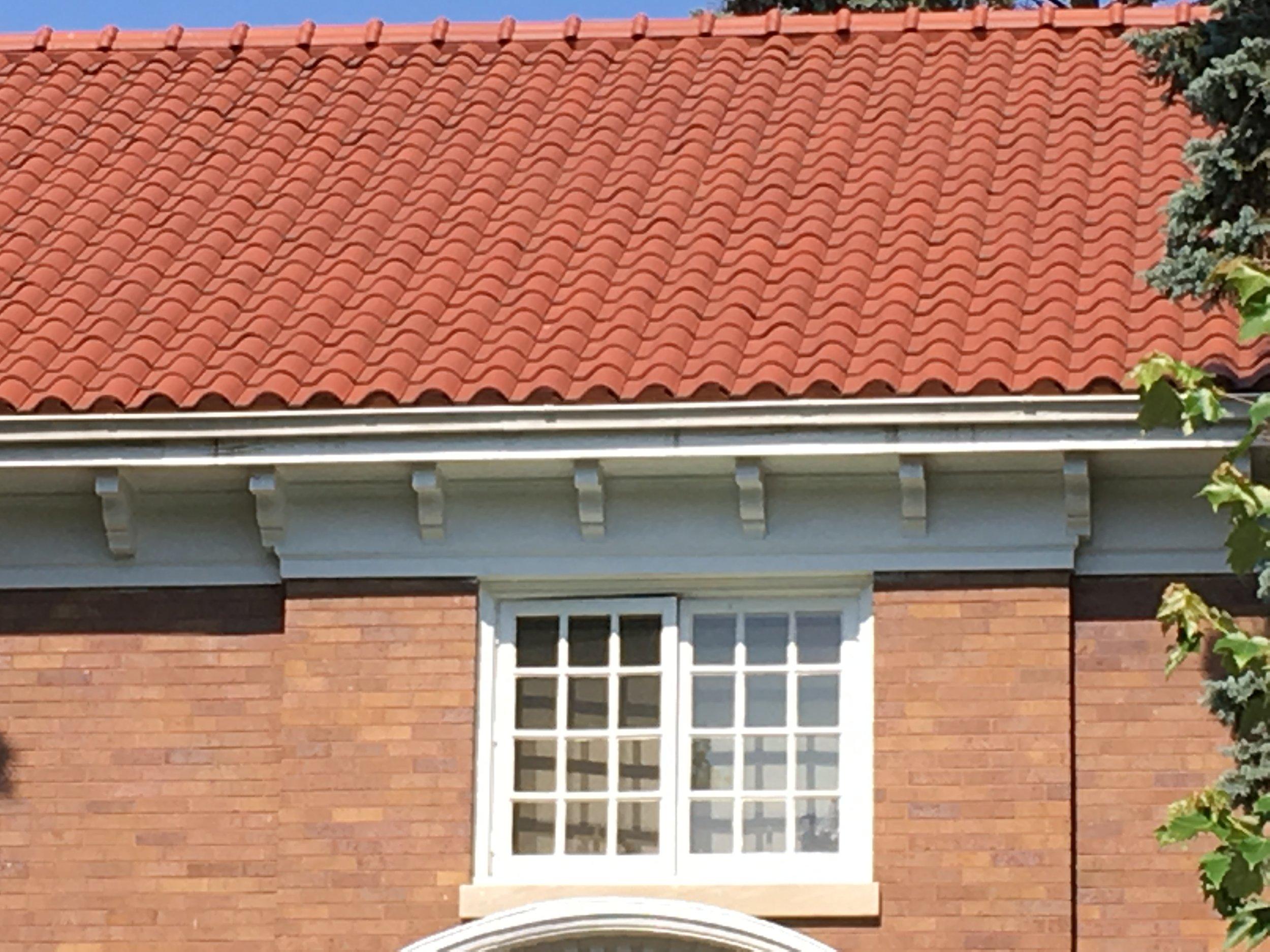Vincent Pl 300 window.JPG