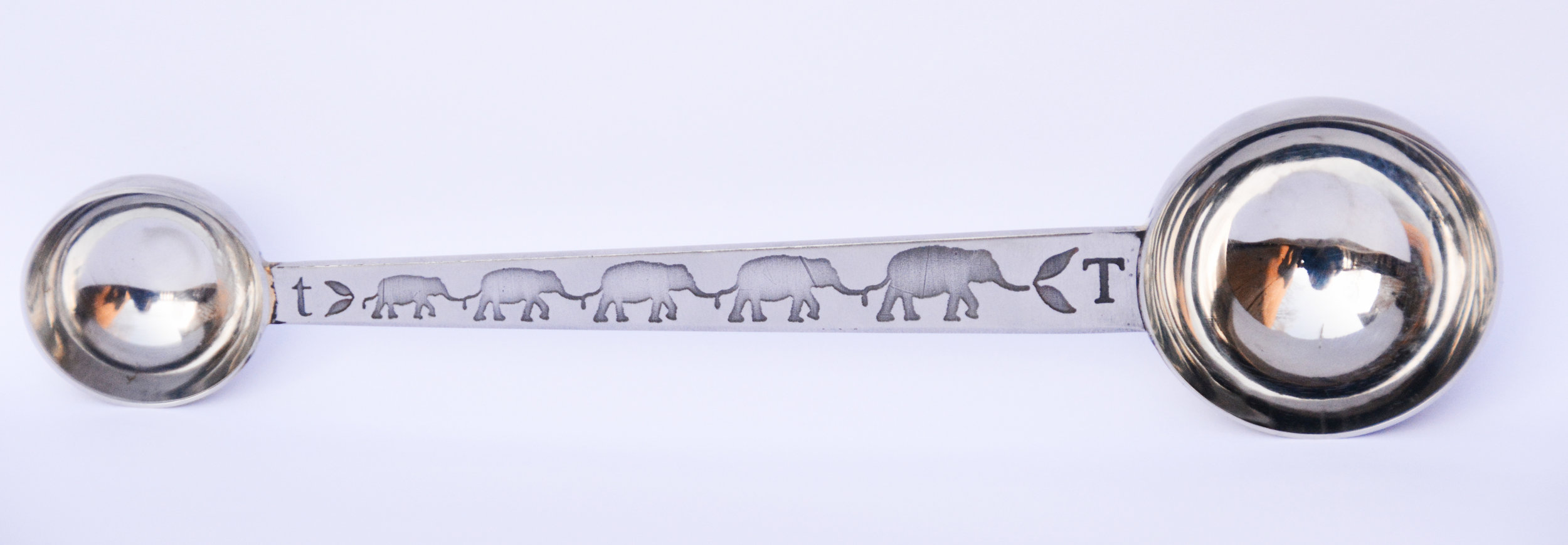elephant approved™ double tea scoop