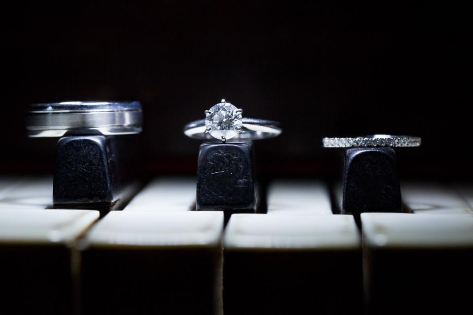 005-joann-alfred-castle-green-wedding-pasadena-wedding-ring-shot-david-kim-photography-960x640.jpg