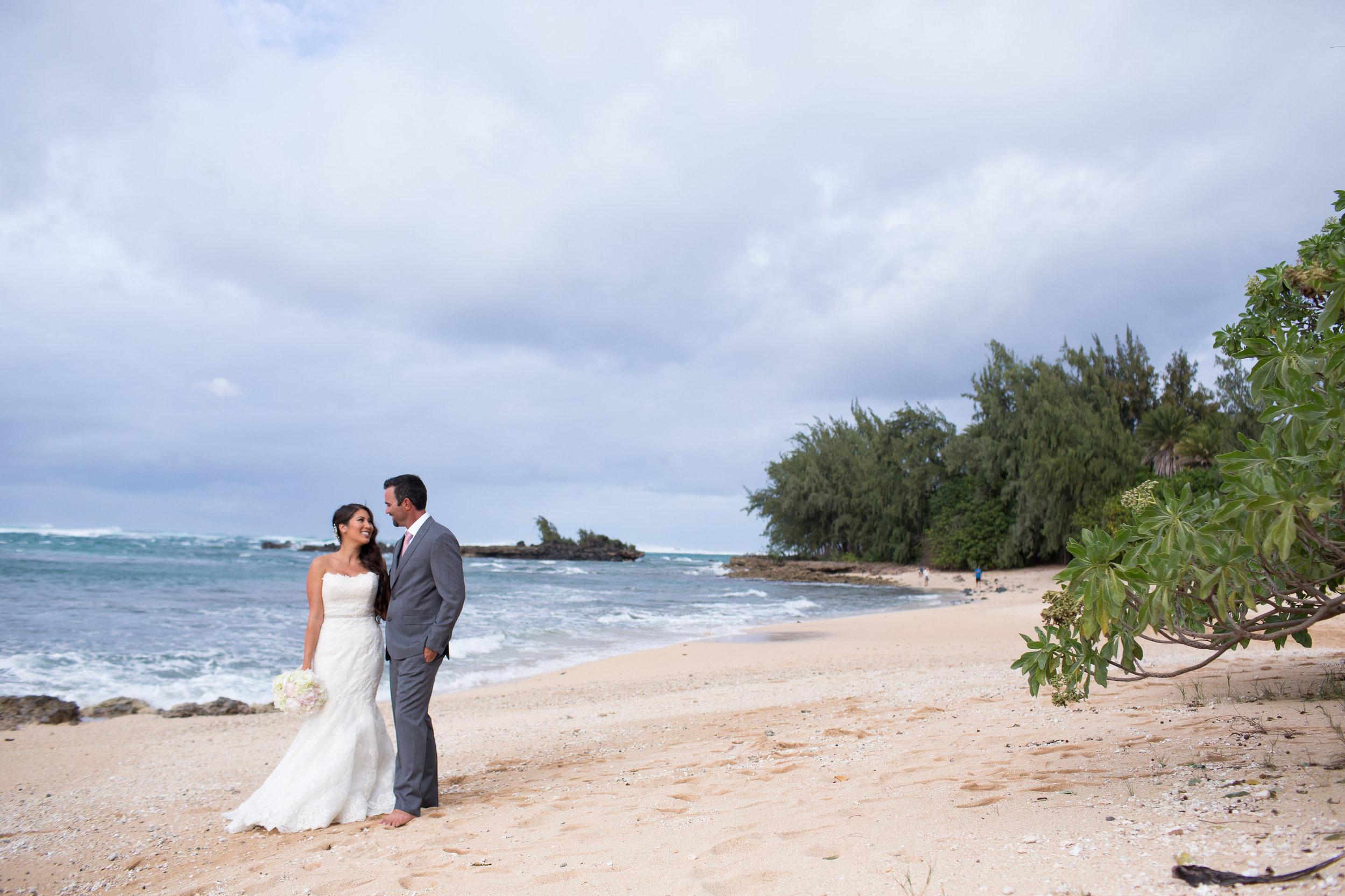 wedding hawaii beach photography.jpg